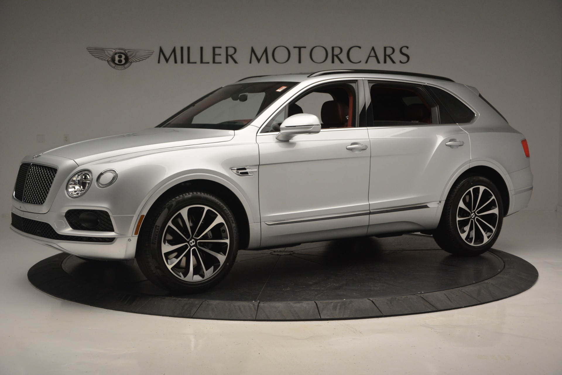 New 2019 Bentley Bentayga V8 For Sale In Greenwich, CT. Alfa Romeo of Greenwich, B1367 2161_p2