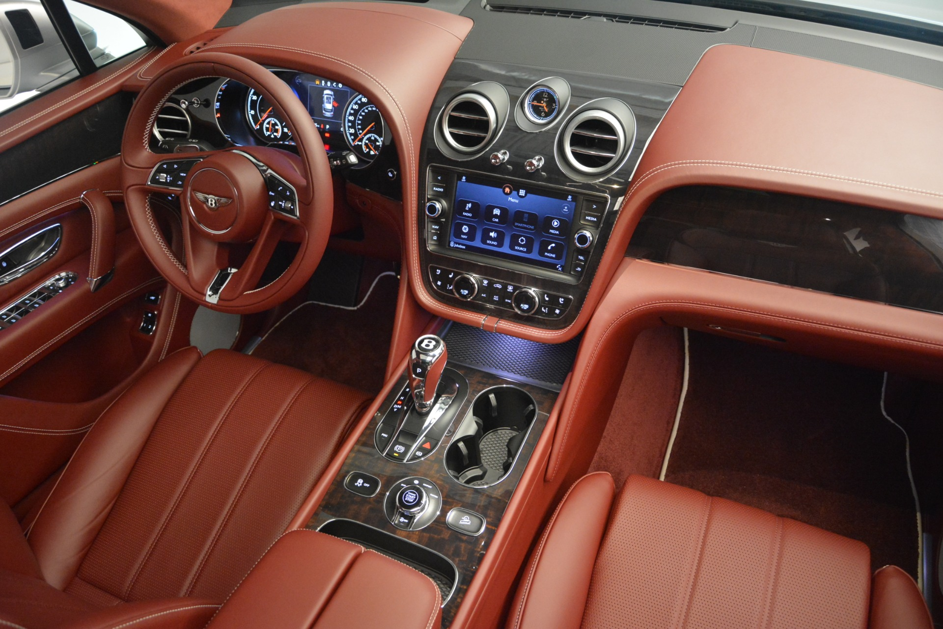 New 2019 Bentley Bentayga V8 For Sale In Greenwich, CT. Alfa Romeo of Greenwich, B1367 2161_p30