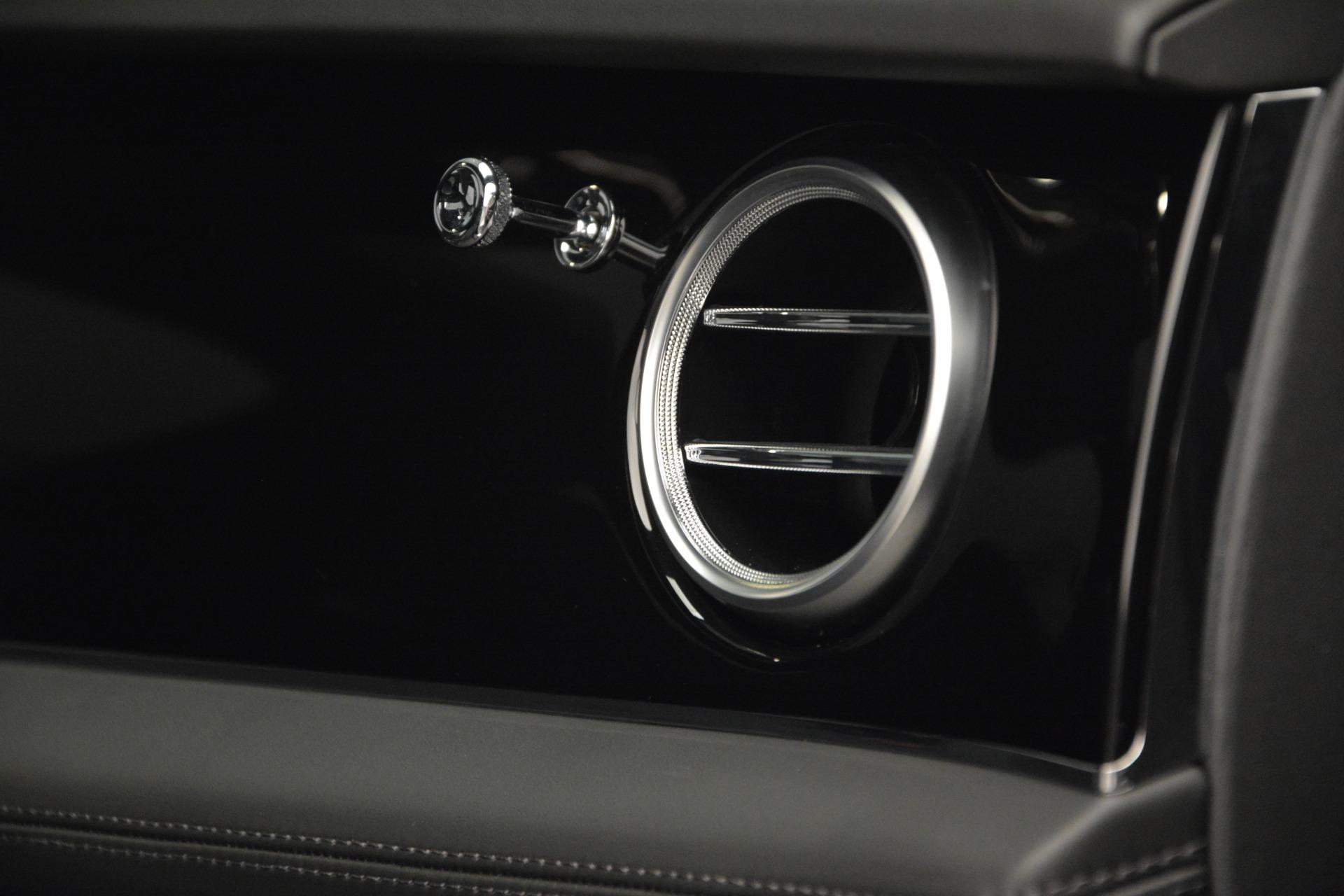 Used 2019 Bentley Bentayga V8 For Sale In Greenwich, CT. Alfa Romeo of Greenwich, B1364 2162_p27