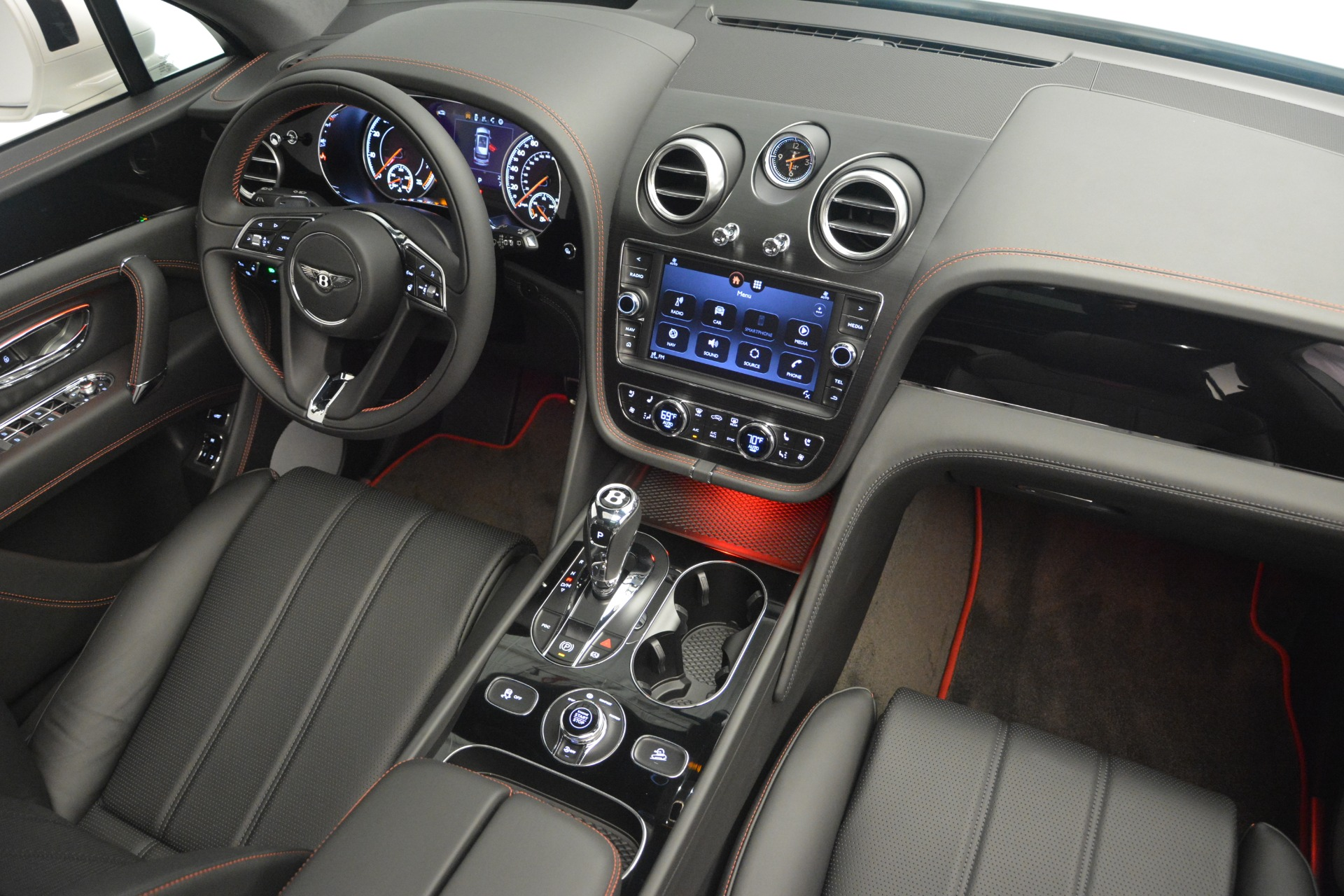 Used 2019 Bentley Bentayga V8 For Sale In Greenwich, CT. Alfa Romeo of Greenwich, B1364 2162_p28