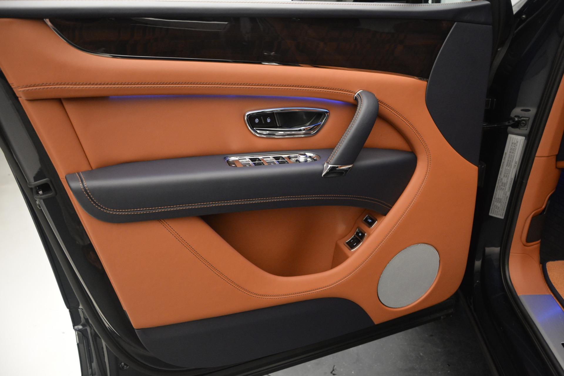 New 2019 Bentley Bentayga V8 For Sale In Greenwich, CT. Alfa Romeo of Greenwich, B1365 2163_p16