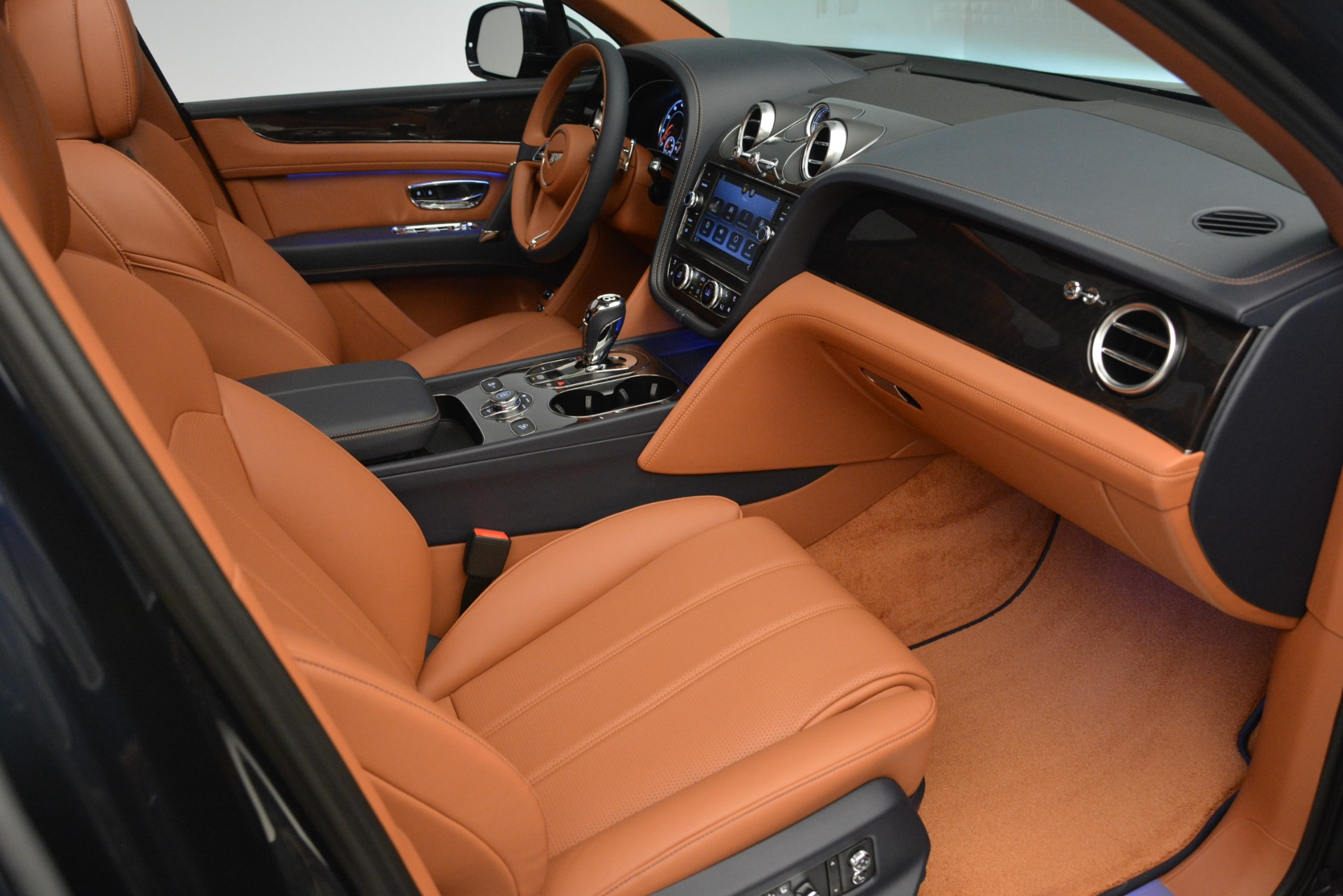 New 2019 Bentley Bentayga V8 For Sale In Greenwich, CT. Alfa Romeo of Greenwich, B1365 2163_p23