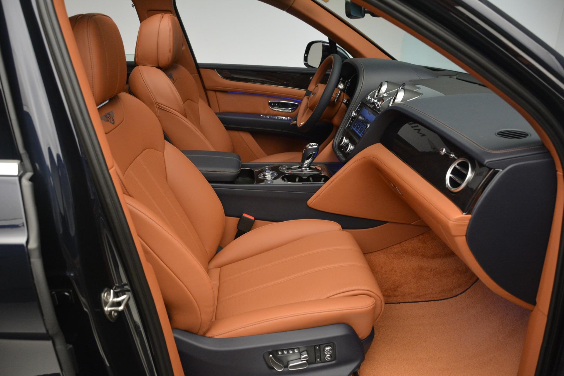 New 2019 Bentley Bentayga V8 For Sale In Greenwich, CT. Alfa Romeo of Greenwich, B1365 2163_p24
