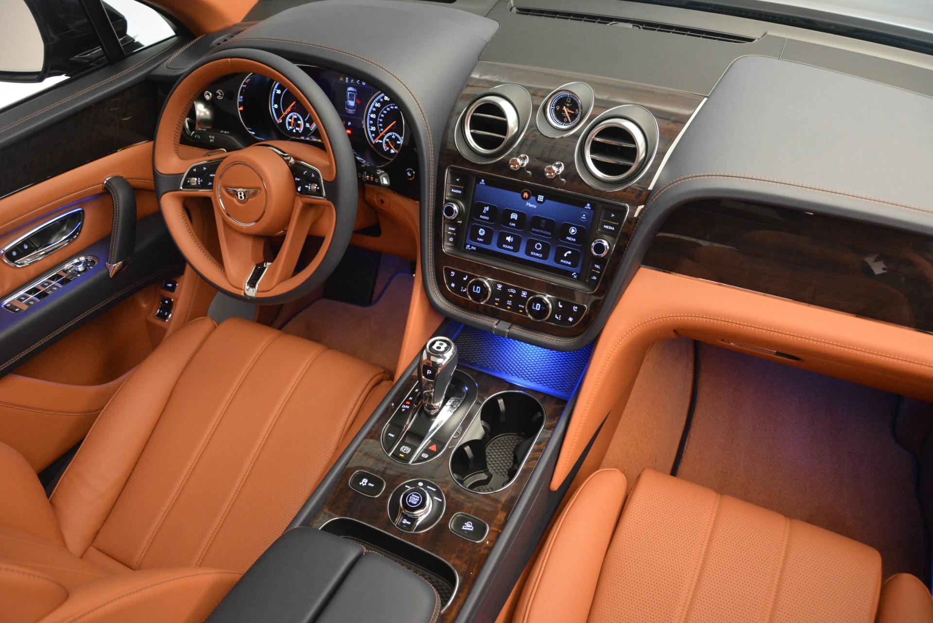 New 2019 Bentley Bentayga V8 For Sale In Greenwich, CT. Alfa Romeo of Greenwich, B1365 2163_p31