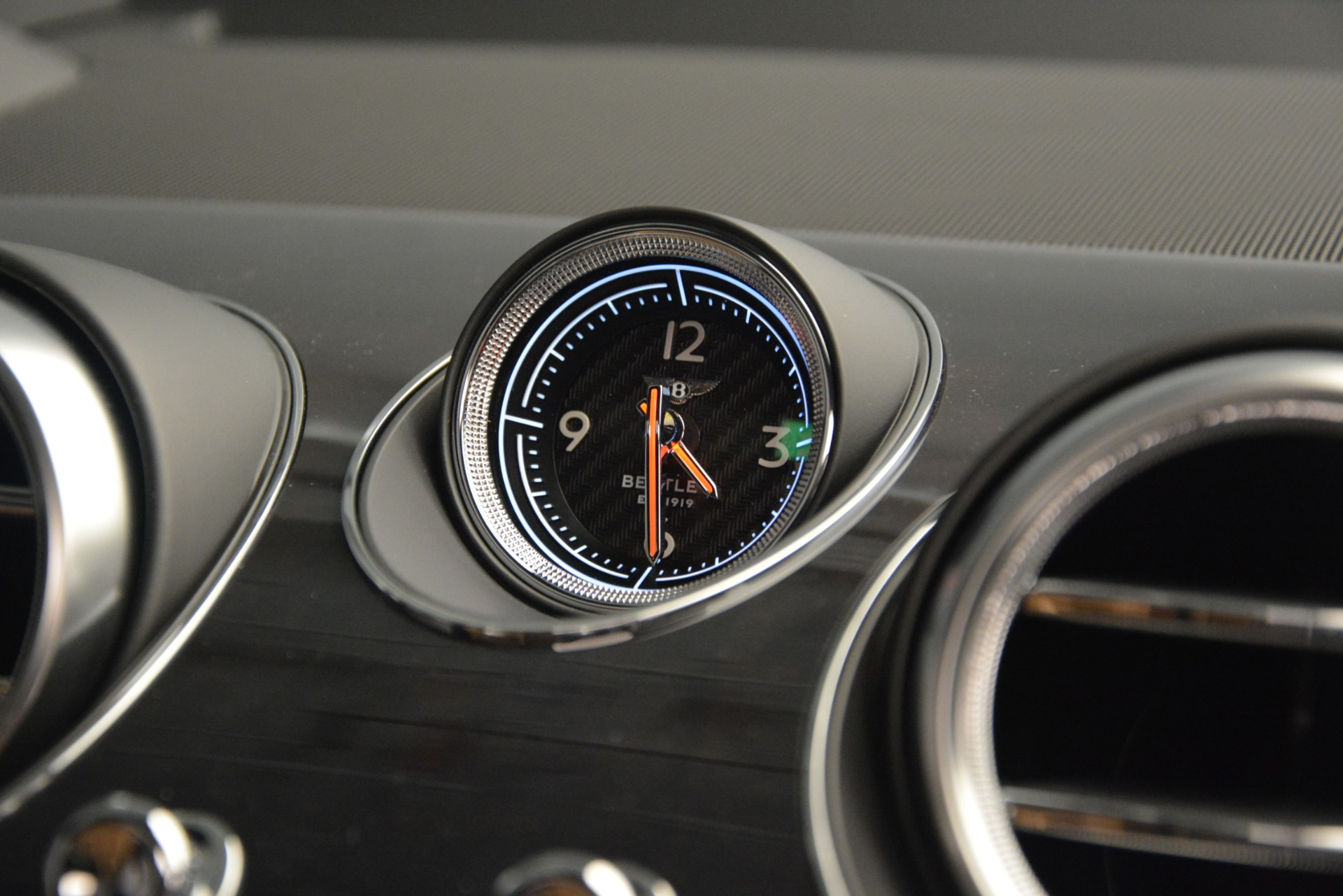 New 2019 Bentley Bentayga V8 For Sale In Greenwich, CT. Alfa Romeo of Greenwich, B1368 2164_p22