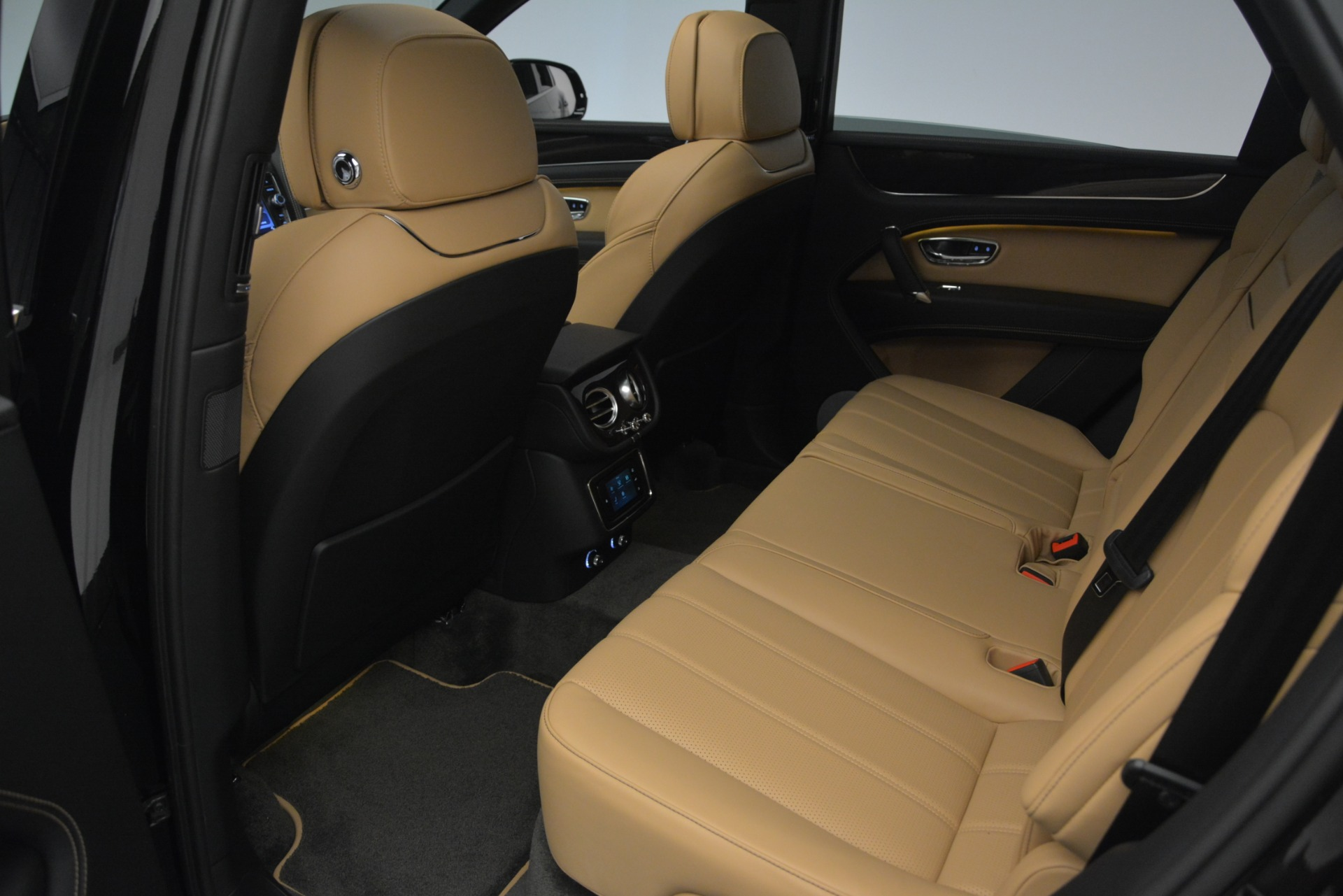 New 2019 Bentley Bentayga V8 For Sale In Greenwich, CT. Alfa Romeo of Greenwich, B1368 2164_p25