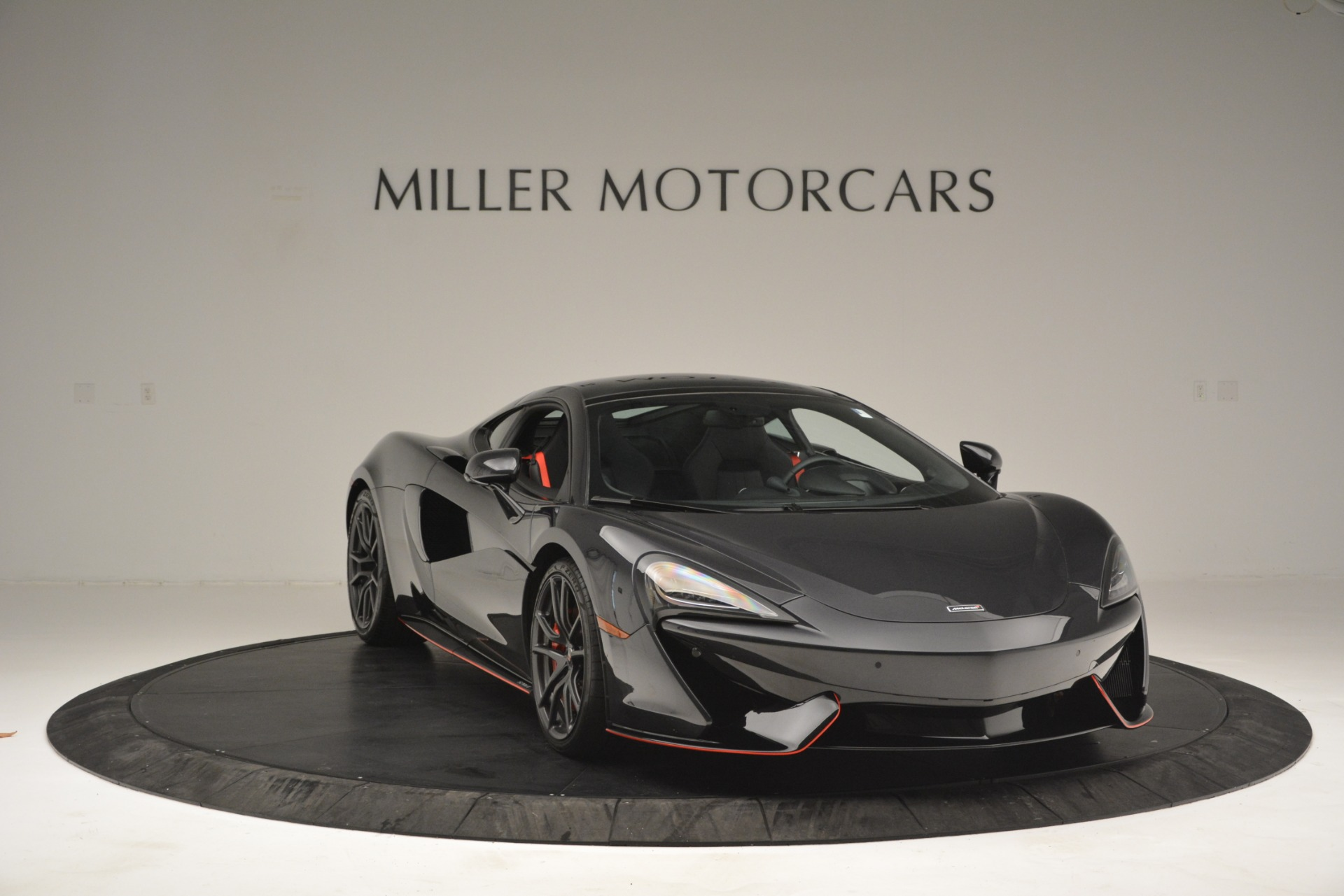 Used 2018 McLaren 570GT  For Sale In Greenwich, CT. Alfa Romeo of Greenwich, MC348 2166_p11