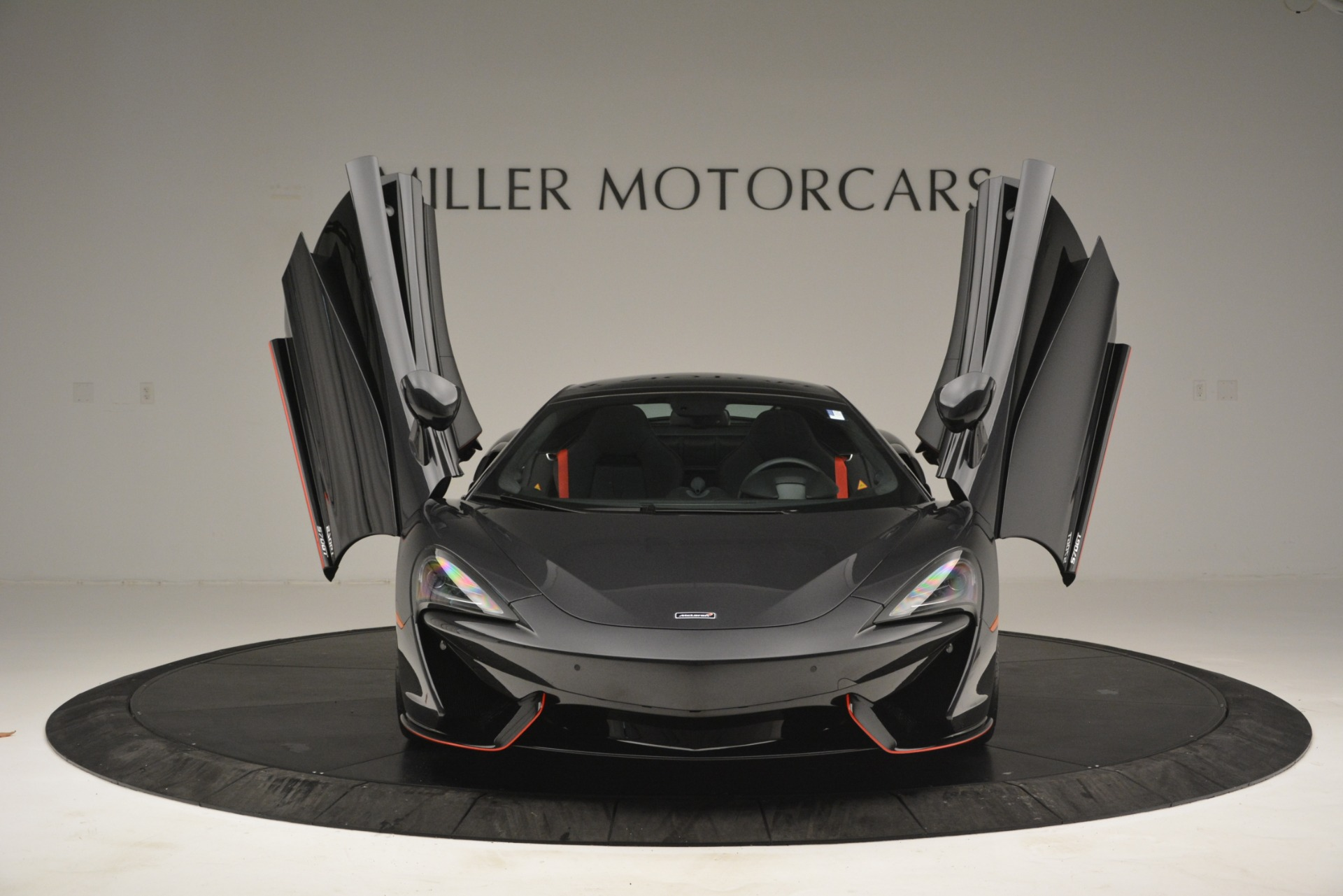 Used 2018 McLaren 570GT  For Sale In Greenwich, CT. Alfa Romeo of Greenwich, MC348 2166_p13
