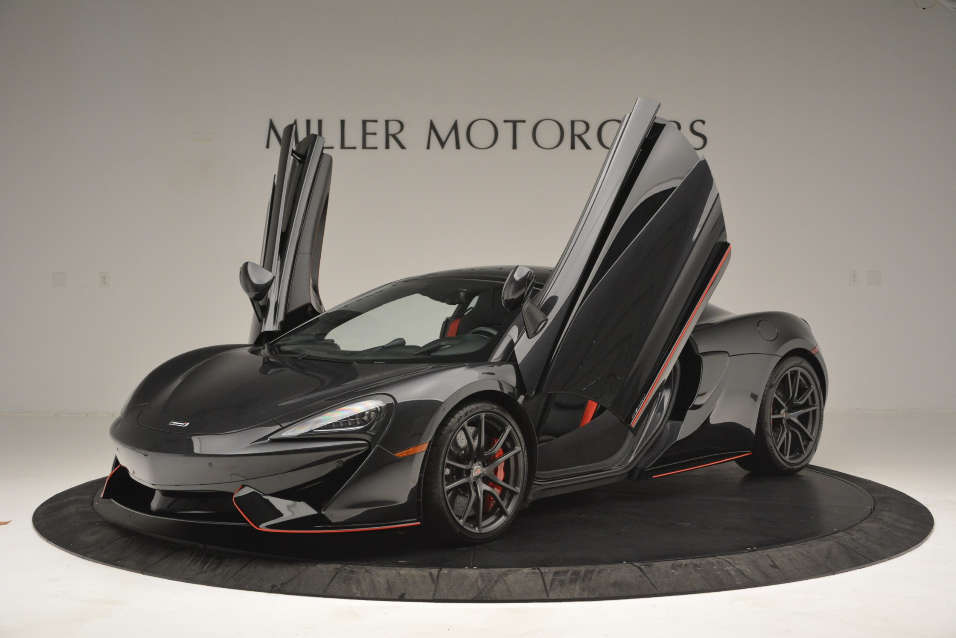 Used 2018 McLaren 570GT  For Sale In Greenwich, CT. Alfa Romeo of Greenwich, MC348 2166_p14