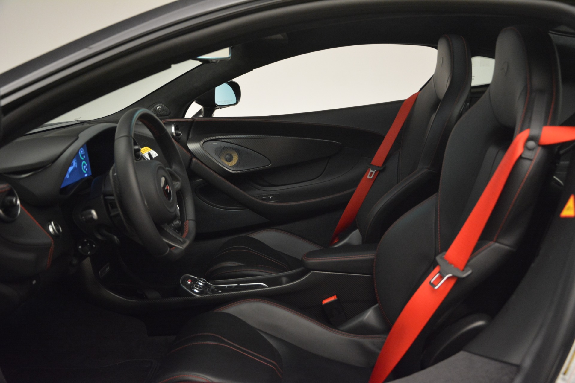 Used 2018 McLaren 570GT  For Sale In Greenwich, CT. Alfa Romeo of Greenwich, MC348 2166_p16