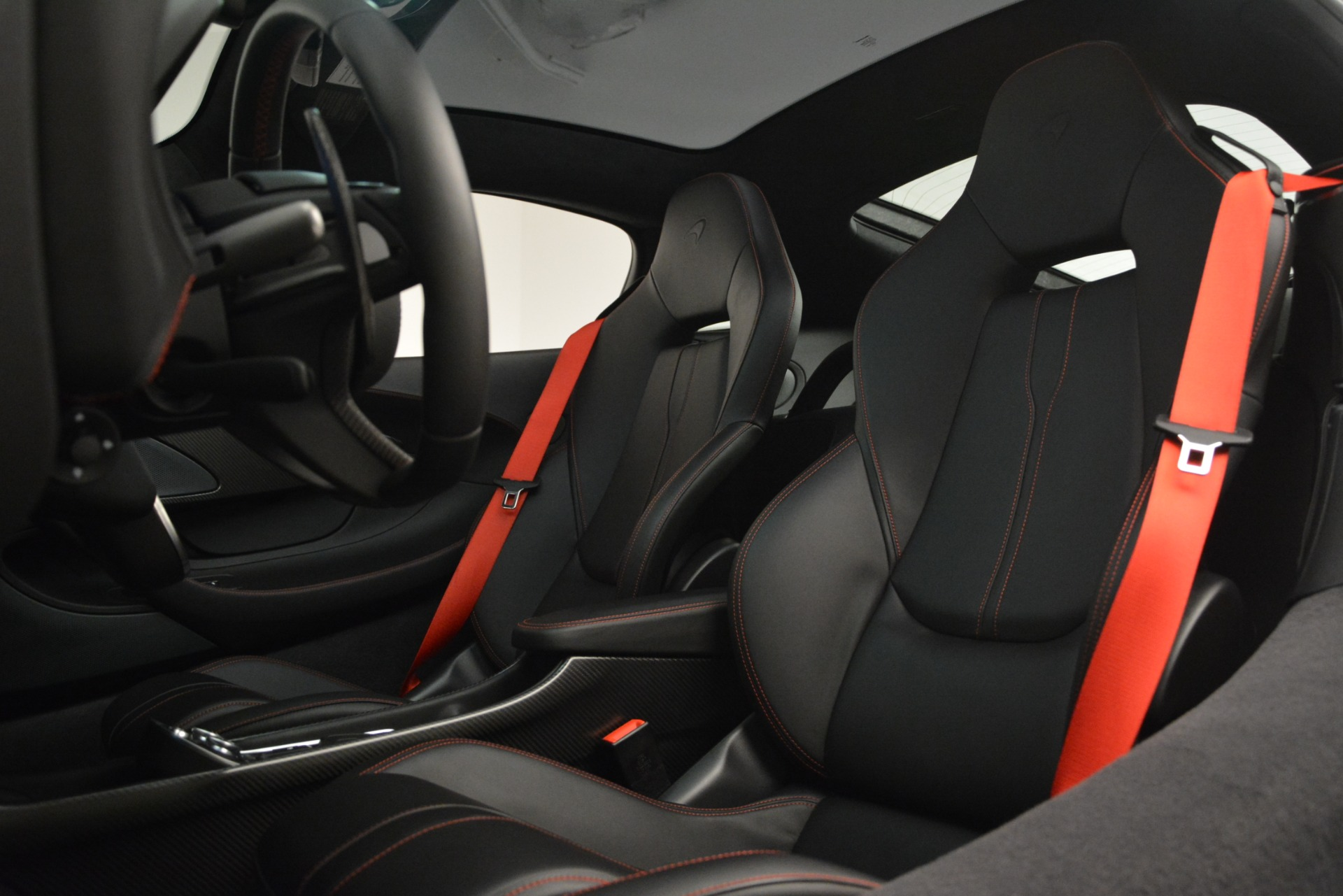Used 2018 McLaren 570GT  For Sale In Greenwich, CT. Alfa Romeo of Greenwich, MC348 2166_p17