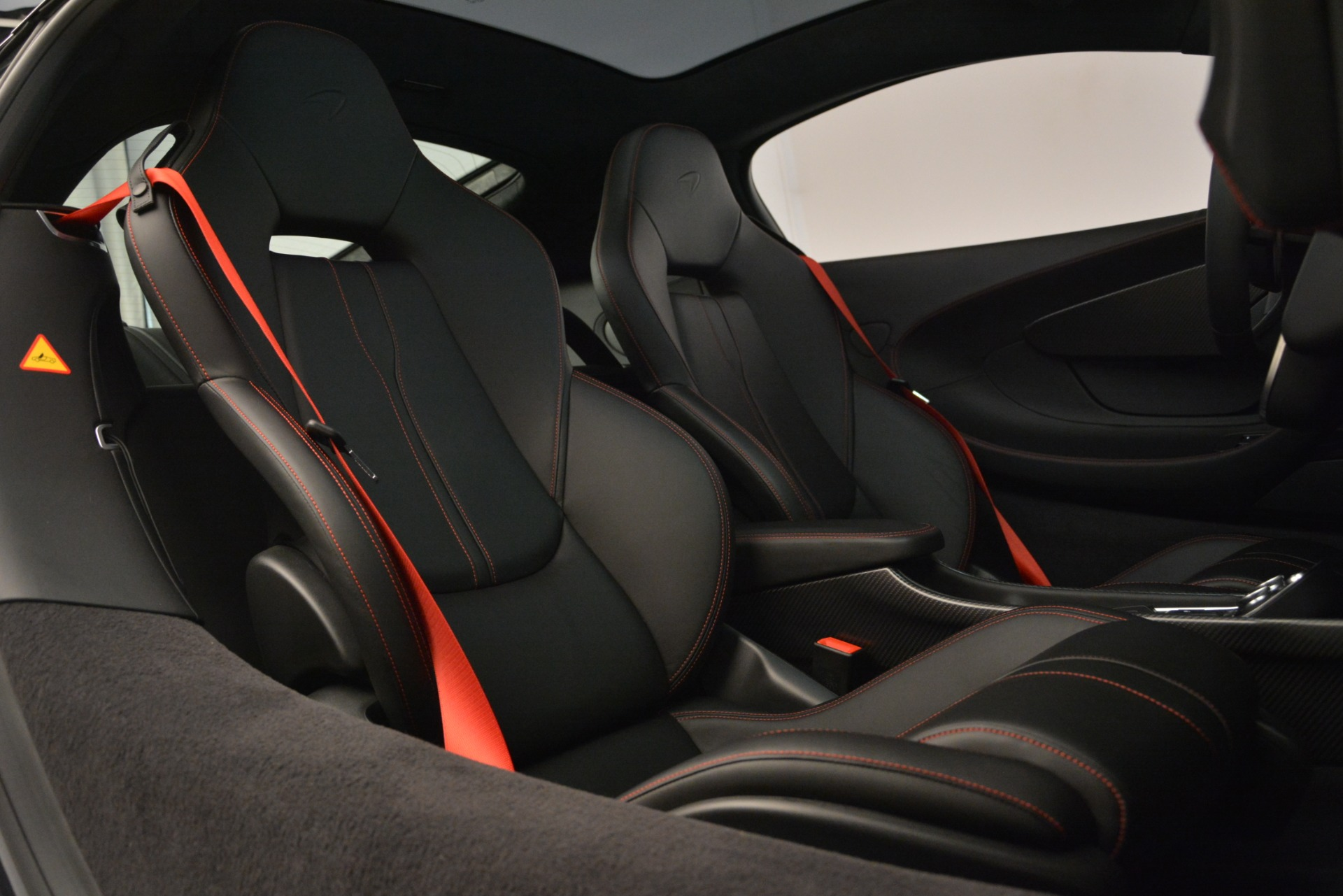 Used 2018 McLaren 570GT  For Sale In Greenwich, CT. Alfa Romeo of Greenwich, MC348 2166_p20