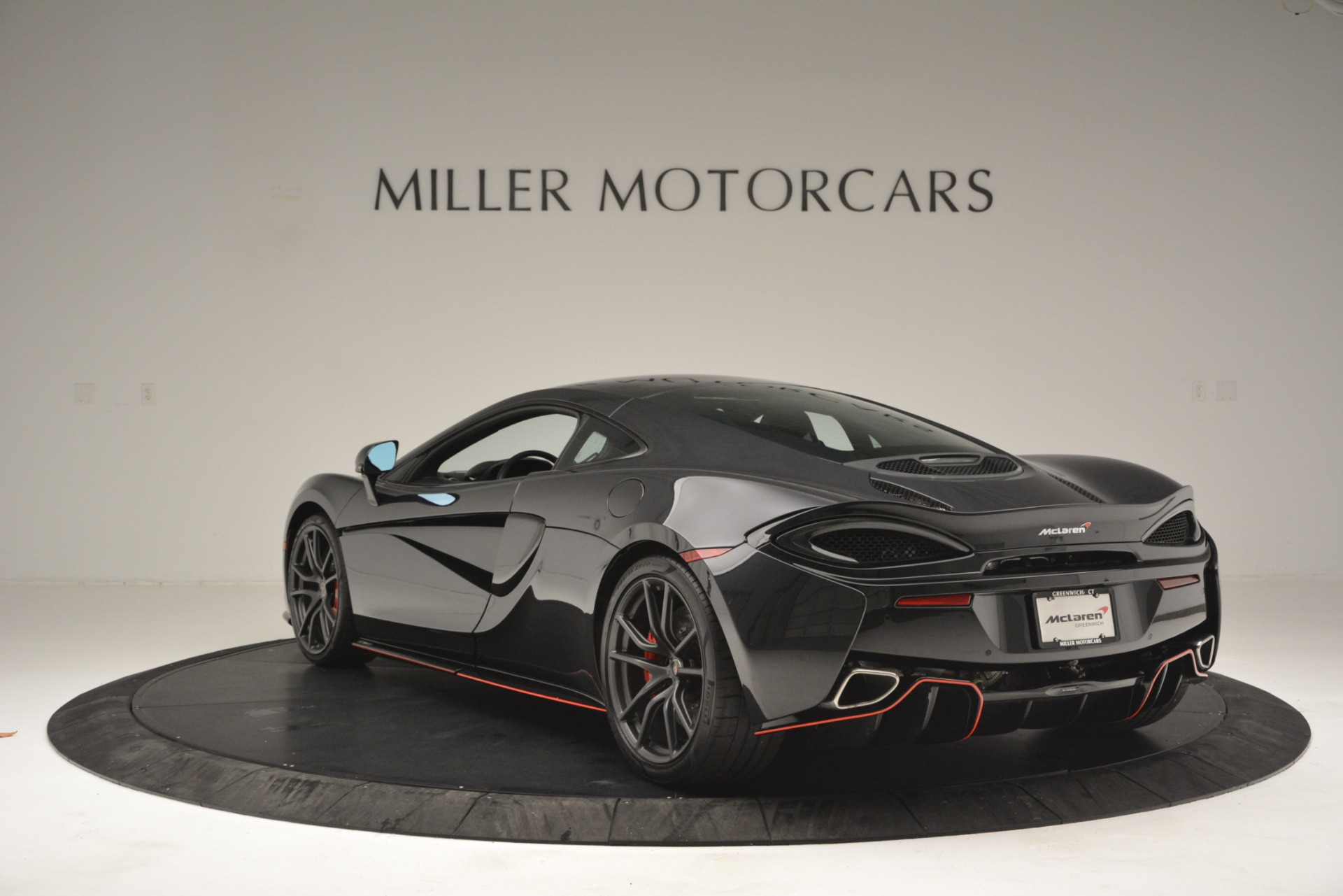 Used 2018 McLaren 570GT  For Sale In Greenwich, CT. Alfa Romeo of Greenwich, MC348 2166_p5