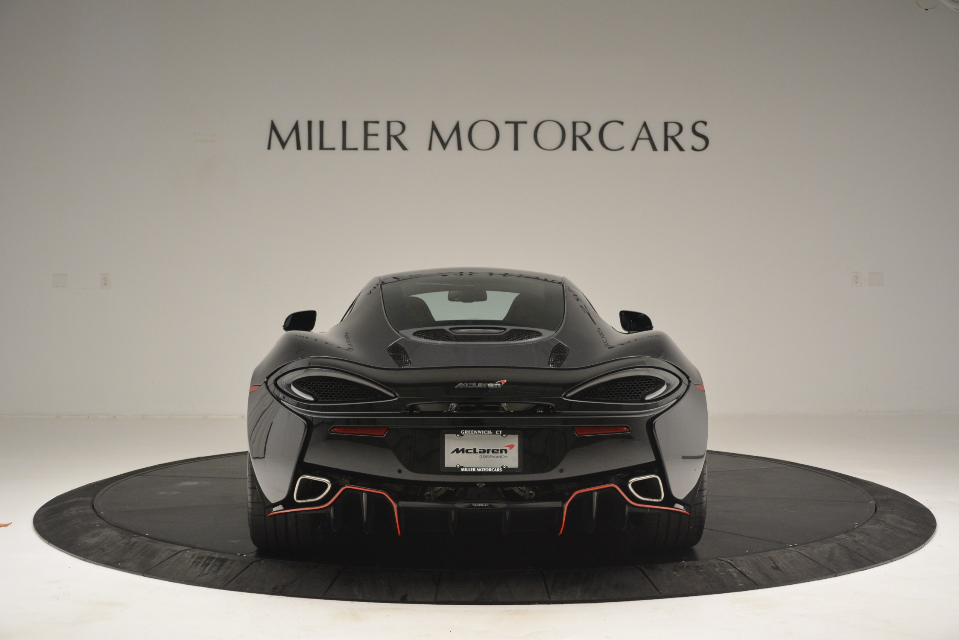 Used 2018 McLaren 570GT  For Sale In Greenwich, CT. Alfa Romeo of Greenwich, MC348 2166_p6