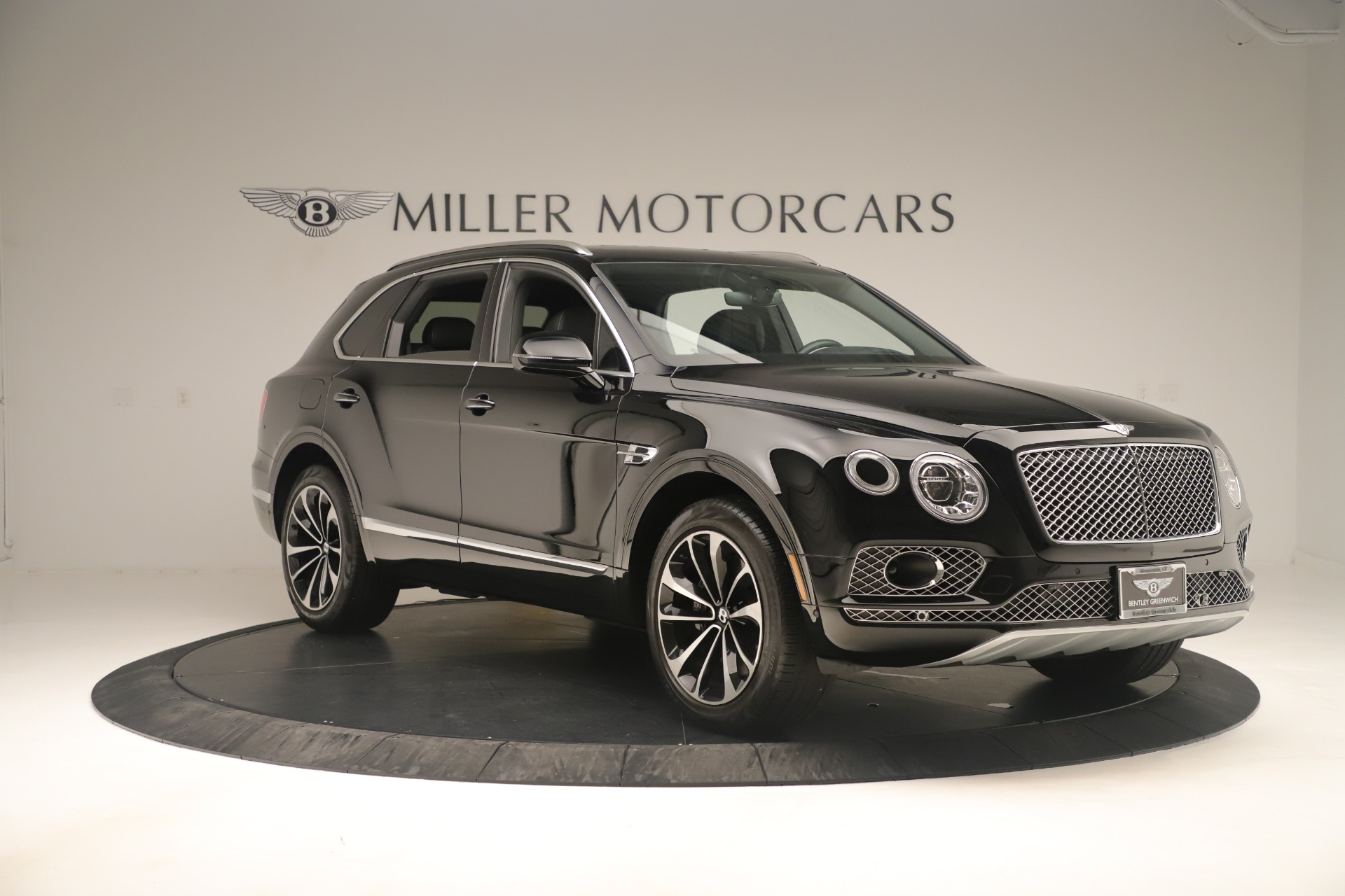 Used 2018 Bentley Bentayga W12 Signature For Sale In Greenwich, CT. Alfa Romeo of Greenwich, 7545A 2167_p11