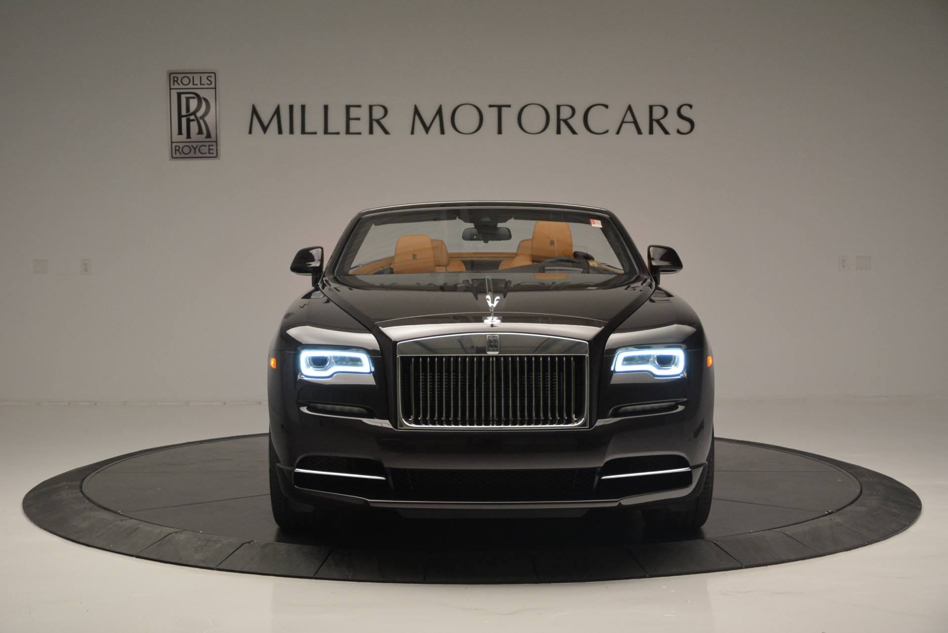 Used 2018 Rolls-Royce Dawn  For Sale In Greenwich, CT. Alfa Romeo of Greenwich, R465 2178_p8