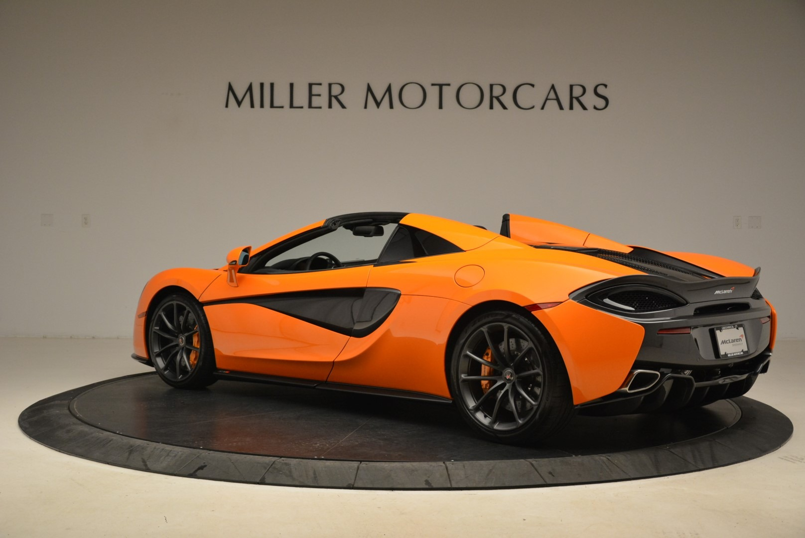 Used 2018 McLaren 570S Spider Convertible For Sale In Greenwich, CT. Alfa Romeo of Greenwich, MC405A 2188_p4