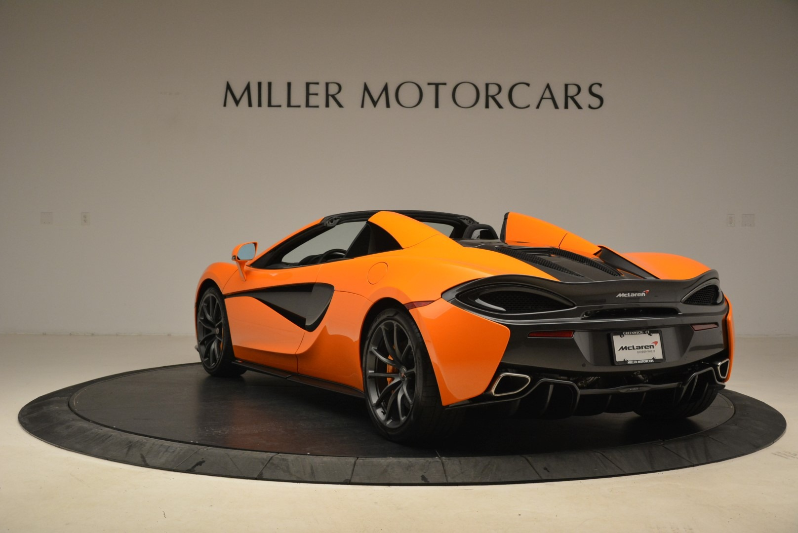 Used 2018 McLaren 570S Spider Convertible For Sale In Greenwich, CT. Alfa Romeo of Greenwich, MC405A 2188_p5