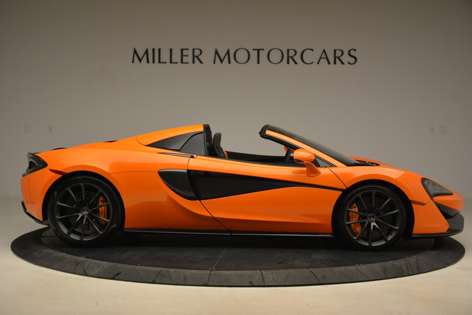 Used 2018 McLaren 570S Spider Convertible For Sale In Greenwich, CT. Alfa Romeo of Greenwich, MC405A 2188_p9