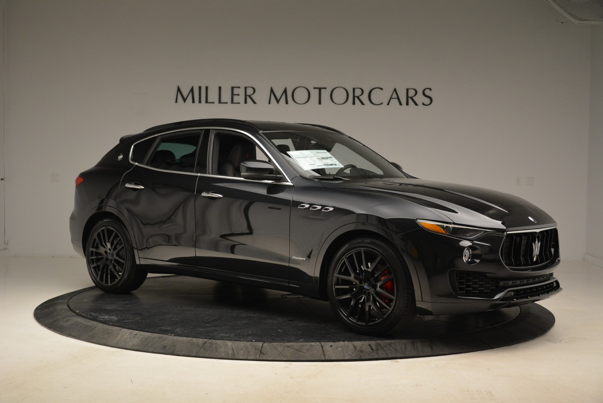 New 2018 Maserati Levante S Q4 GranSport For Sale In Greenwich, CT. Alfa Romeo of Greenwich, W586 2193_p10