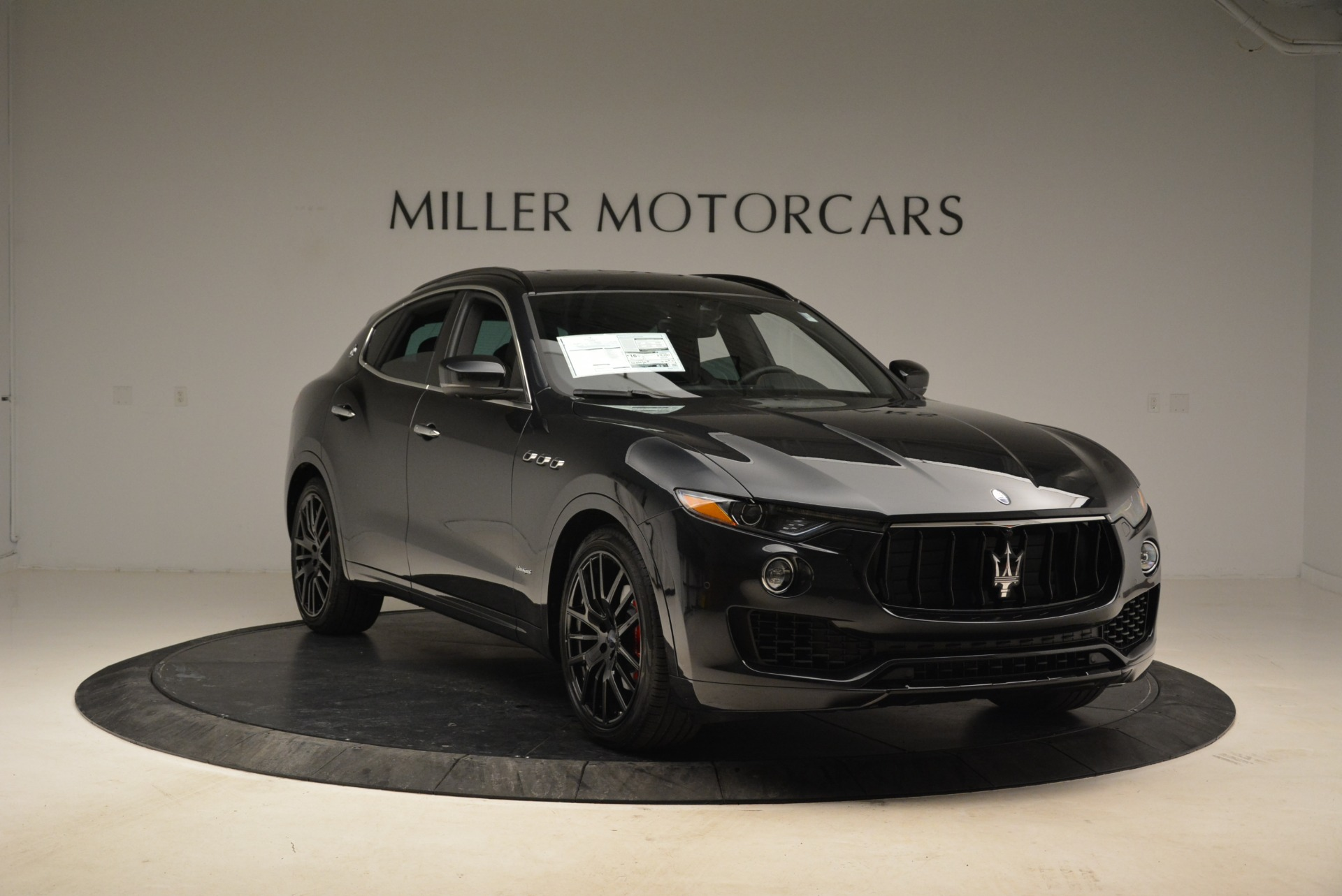 New 2018 Maserati Levante S Q4 GranSport For Sale In Greenwich, CT. Alfa Romeo of Greenwich, W586 2193_p11