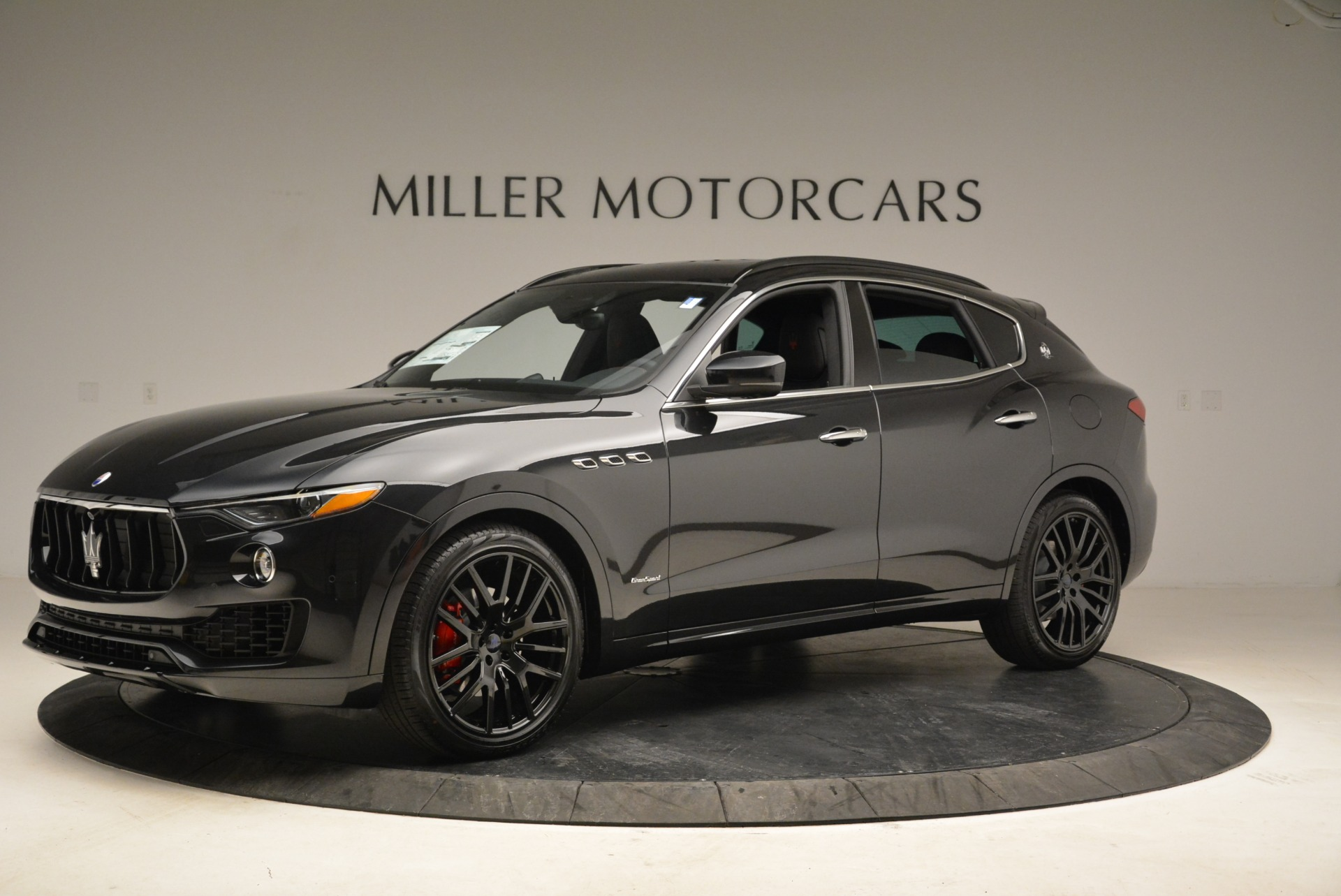 New 2018 Maserati Levante S Q4 GranSport For Sale In Greenwich, CT. Alfa Romeo of Greenwich, W586 2193_p2