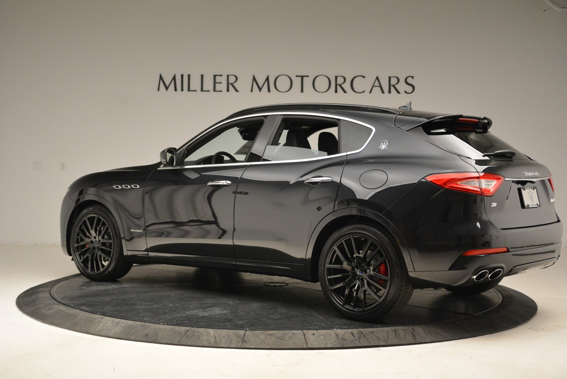 New 2018 Maserati Levante S Q4 GranSport For Sale In Greenwich, CT. Alfa Romeo of Greenwich, W586 2193_p4