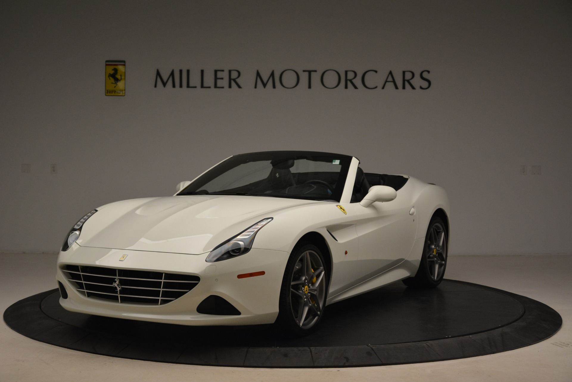 Used 2015 Ferrari California T  For Sale In Greenwich, CT. Alfa Romeo of Greenwich, 4471 2199_main