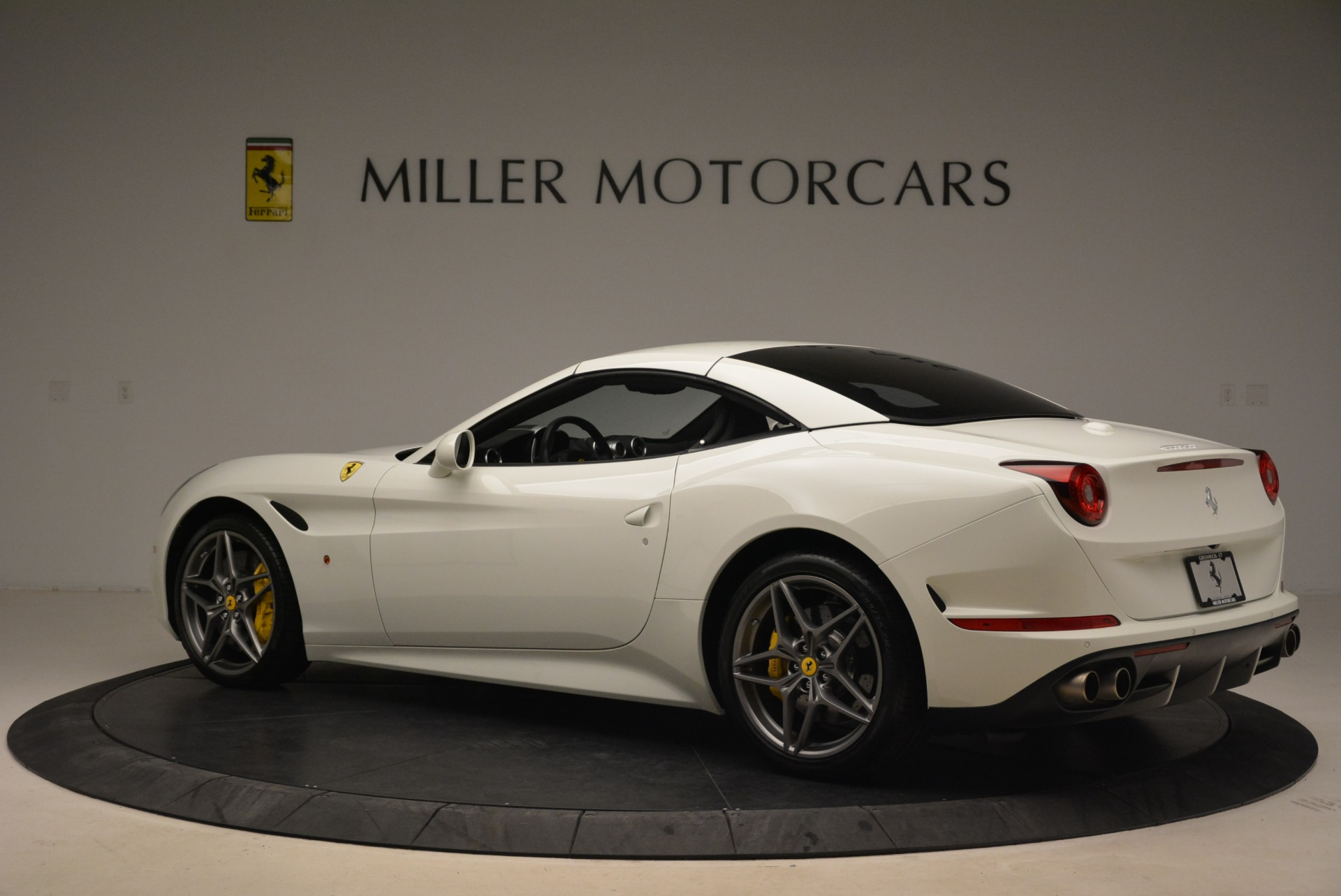 Used 2015 Ferrari California T  For Sale In Greenwich, CT. Alfa Romeo of Greenwich, 4471 2199_p16