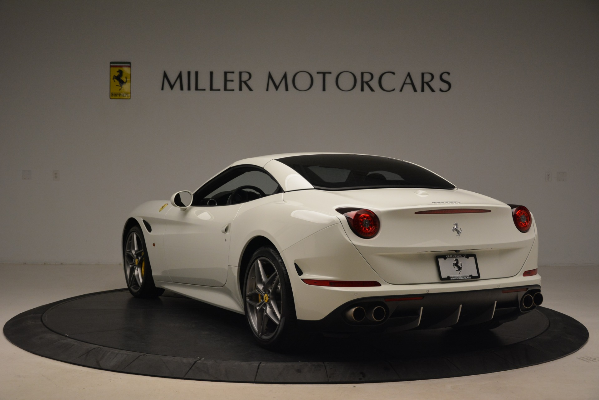 Used 2015 Ferrari California T  For Sale In Greenwich, CT. Alfa Romeo of Greenwich, 4471 2199_p17