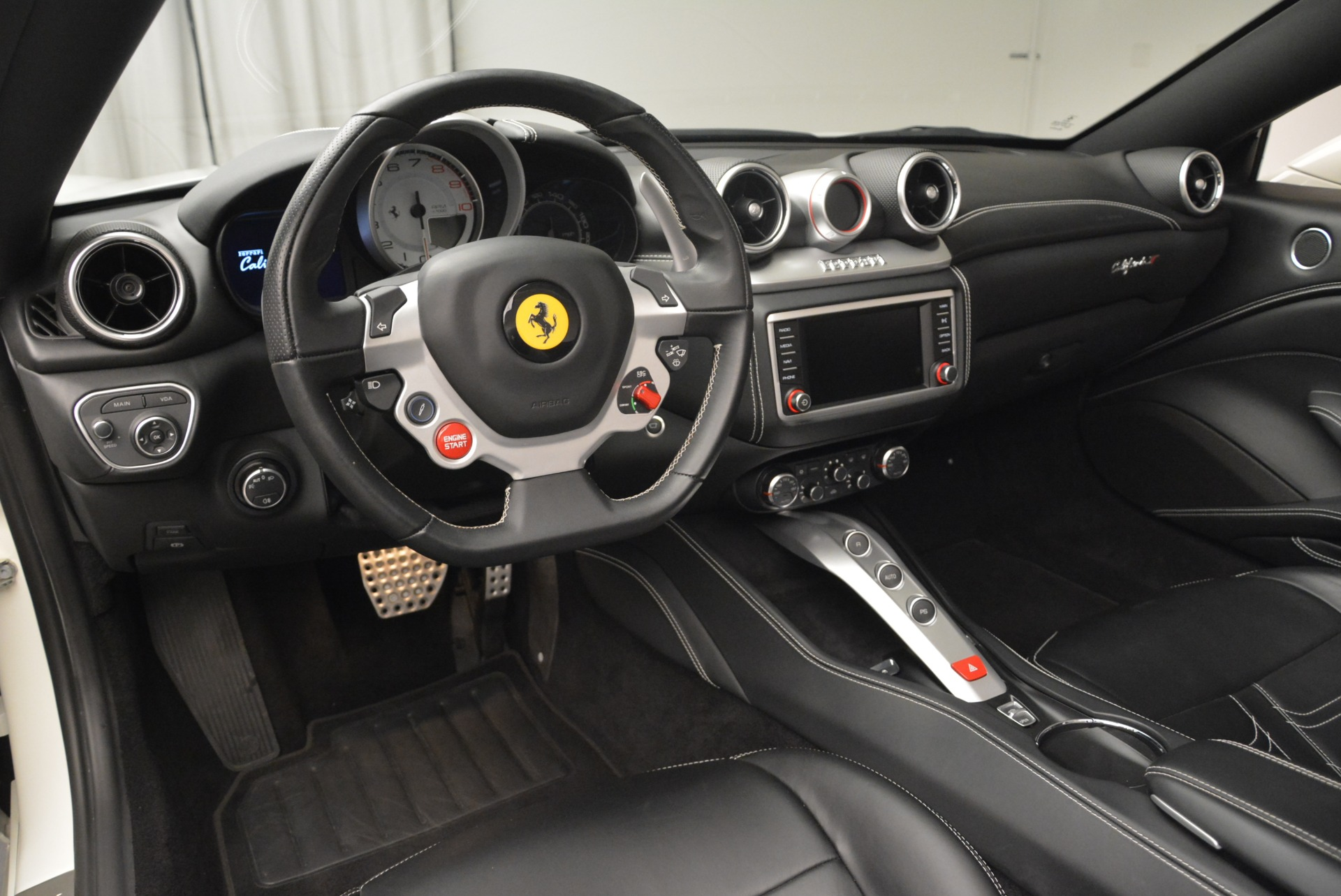Used 2015 Ferrari California T  For Sale In Greenwich, CT. Alfa Romeo of Greenwich, 4471 2199_p25