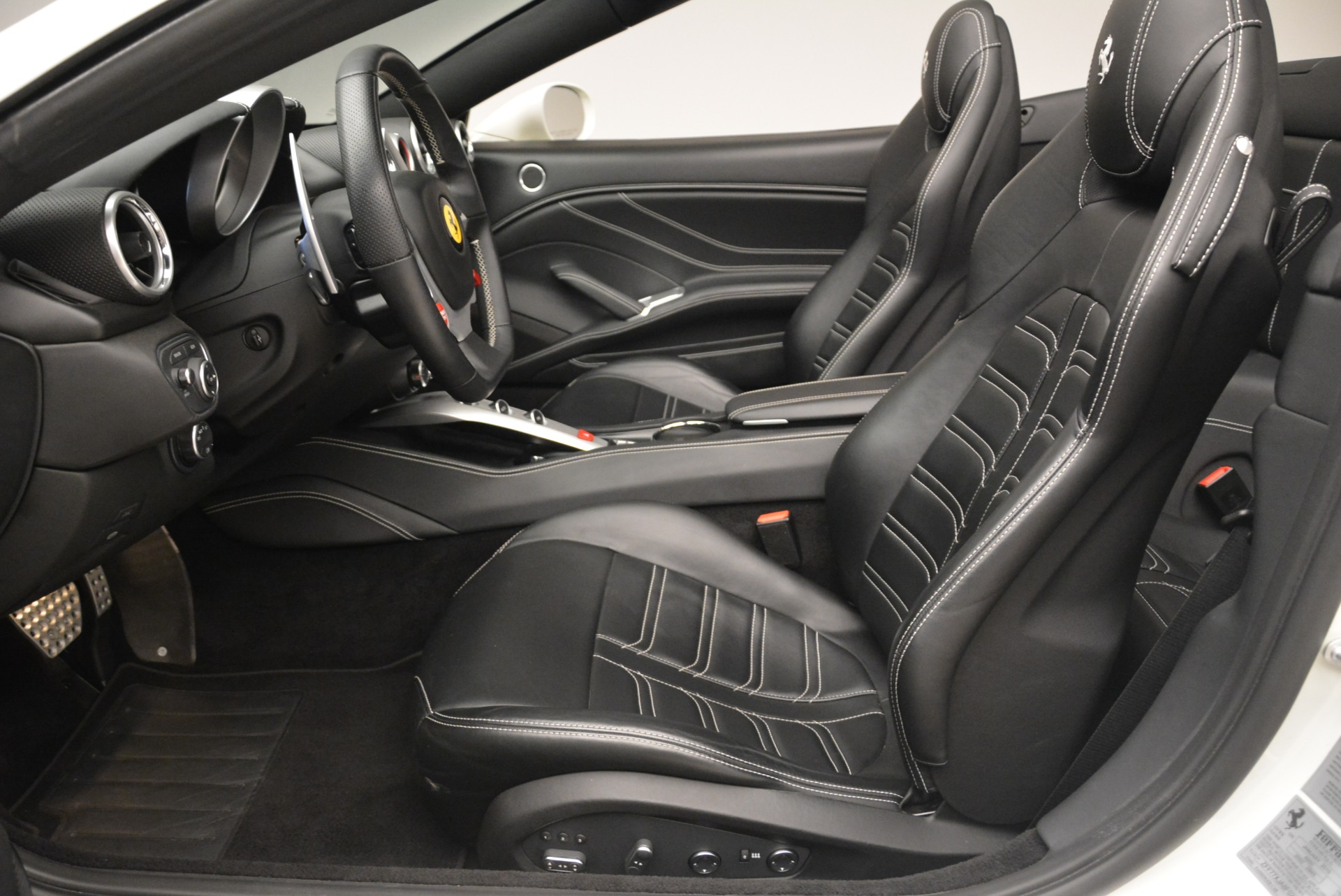 Used 2015 Ferrari California T  For Sale In Greenwich, CT. Alfa Romeo of Greenwich, 4471 2199_p26