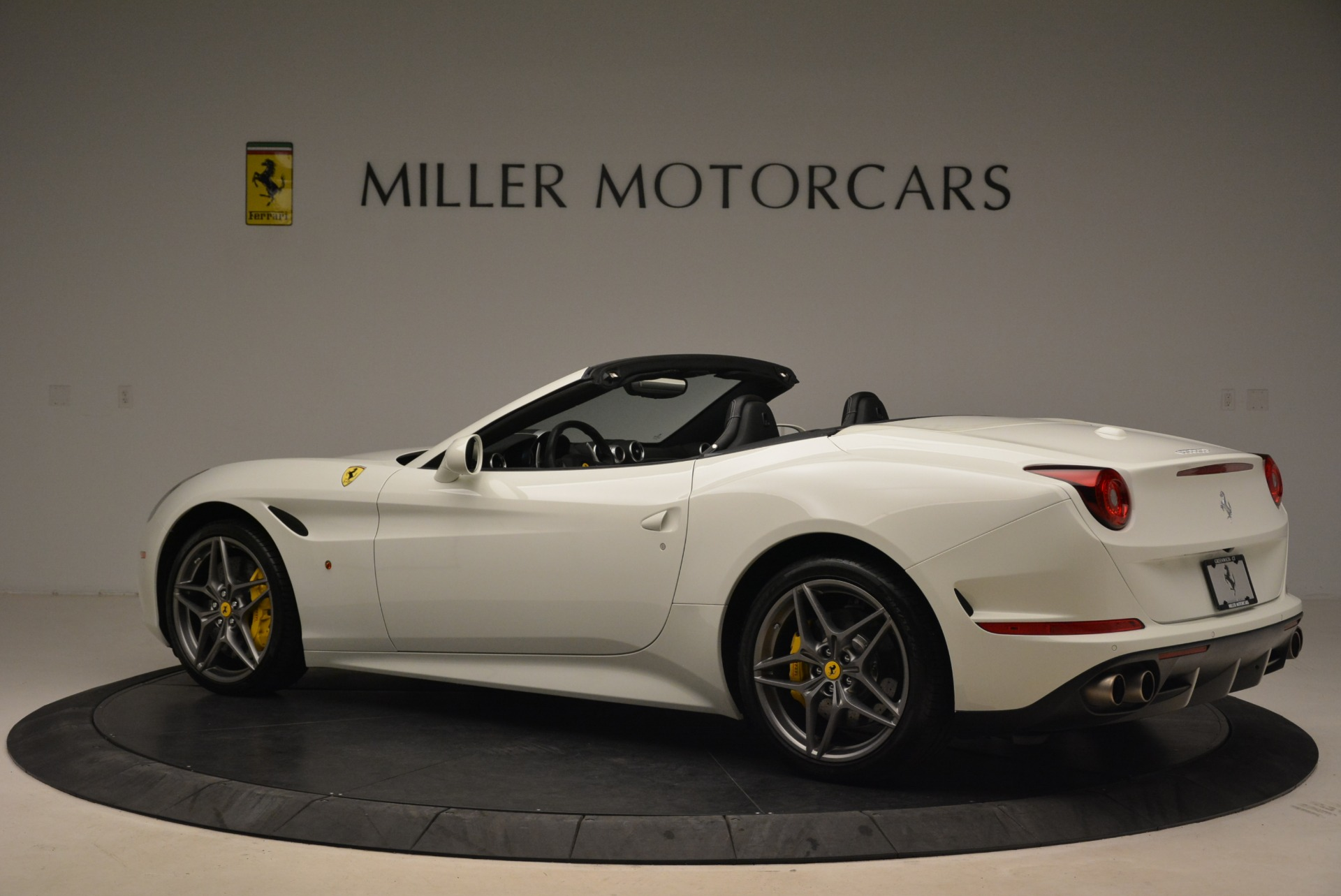 Used 2015 Ferrari California T  For Sale In Greenwich, CT. Alfa Romeo of Greenwich, 4471 2199_p4