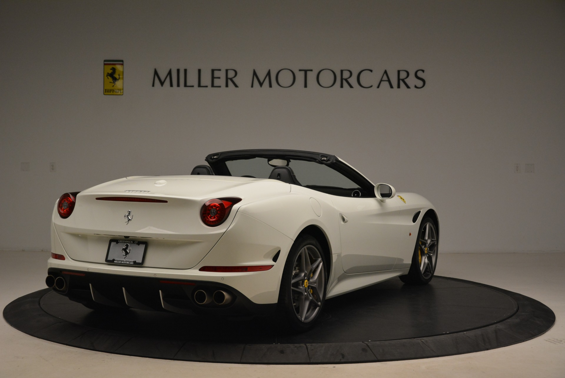 Used 2015 Ferrari California T  For Sale In Greenwich, CT. Alfa Romeo of Greenwich, 4471 2199_p7