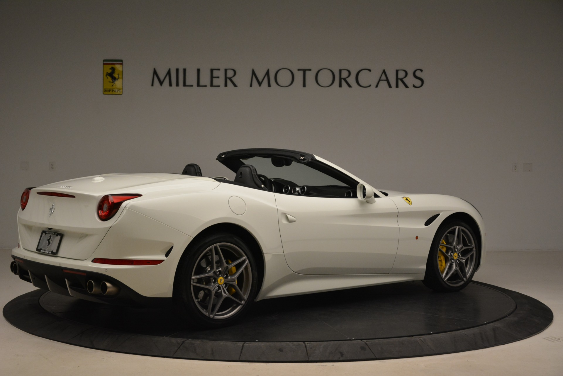 Used 2015 Ferrari California T  For Sale In Greenwich, CT. Alfa Romeo of Greenwich, 4471 2199_p8