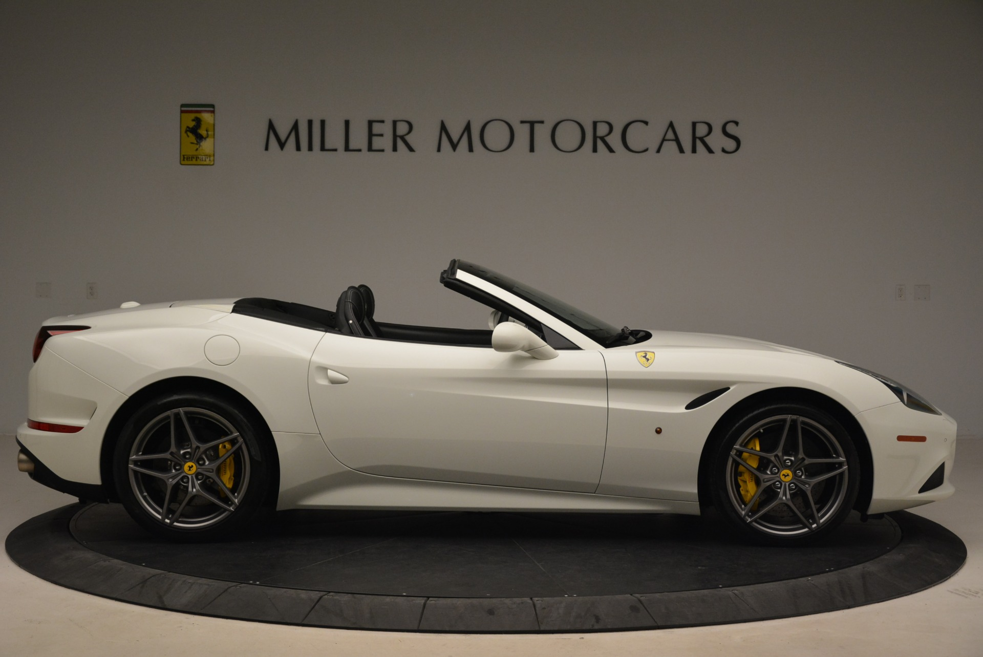 Used 2015 Ferrari California T  For Sale In Greenwich, CT. Alfa Romeo of Greenwich, 4471 2199_p9