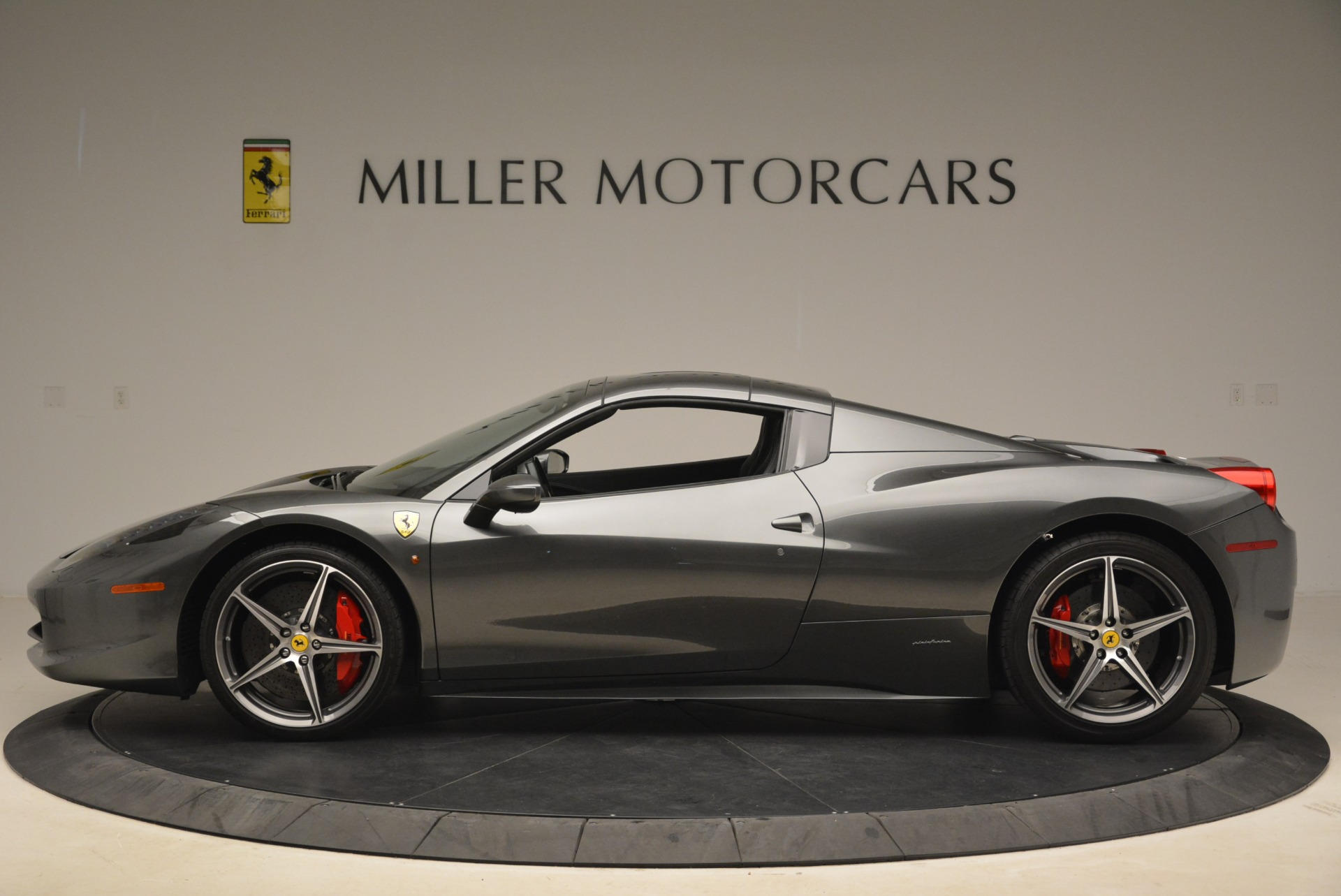Used 2013 Ferrari 458 Spider  For Sale In Greenwich, CT. Alfa Romeo of Greenwich, 4526 2202_p15