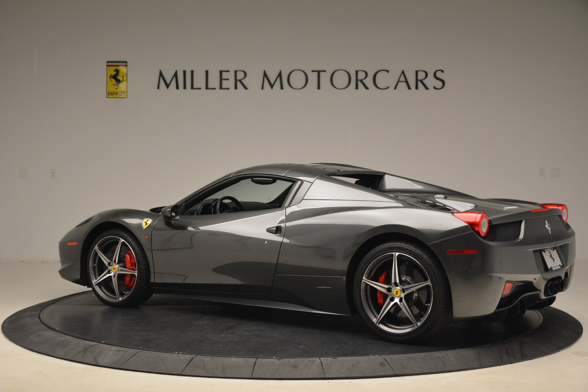 Used 2013 Ferrari 458 Spider  For Sale In Greenwich, CT. Alfa Romeo of Greenwich, 4526 2202_p16