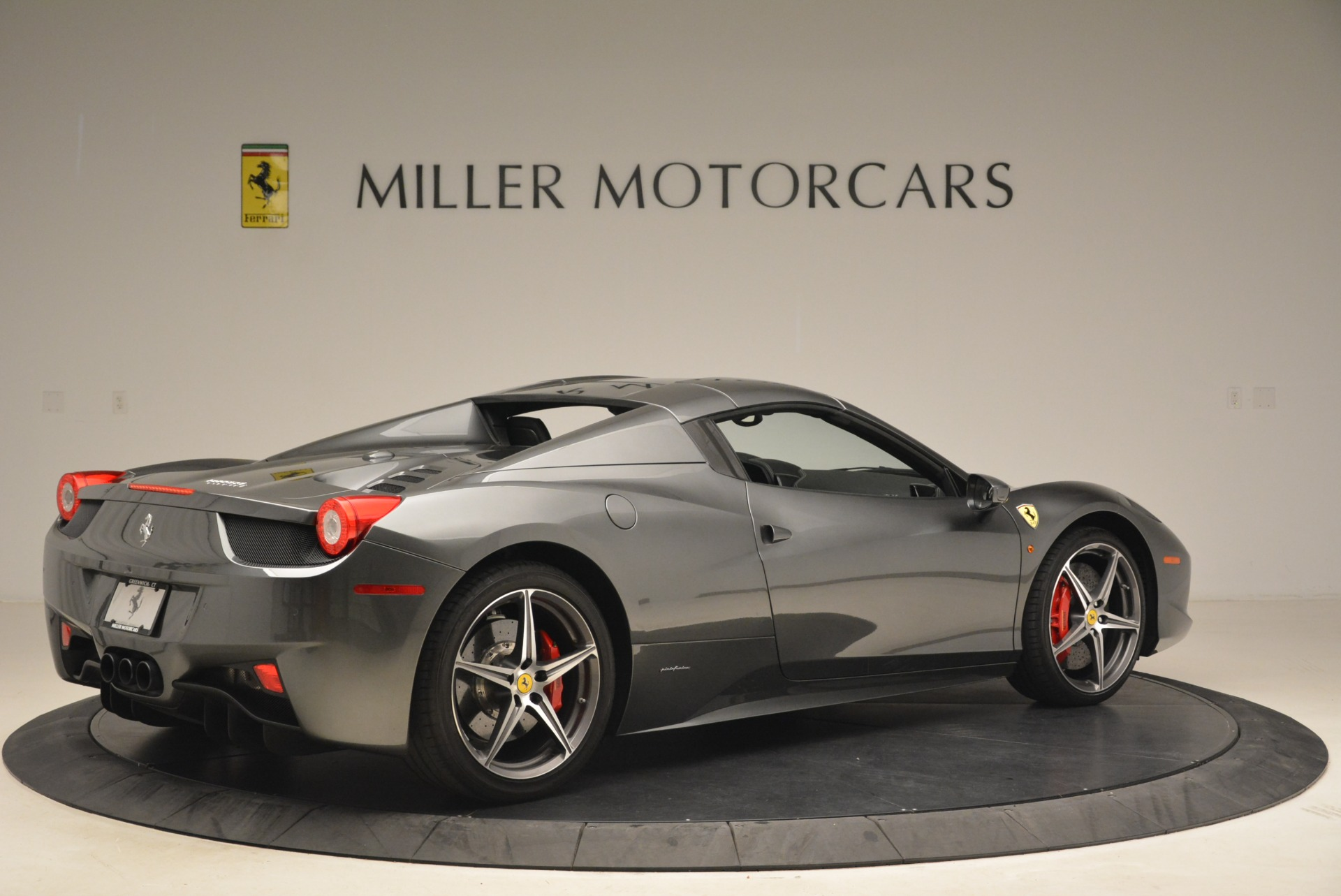 Used 2013 Ferrari 458 Spider  For Sale In Greenwich, CT. Alfa Romeo of Greenwich, 4526 2202_p20