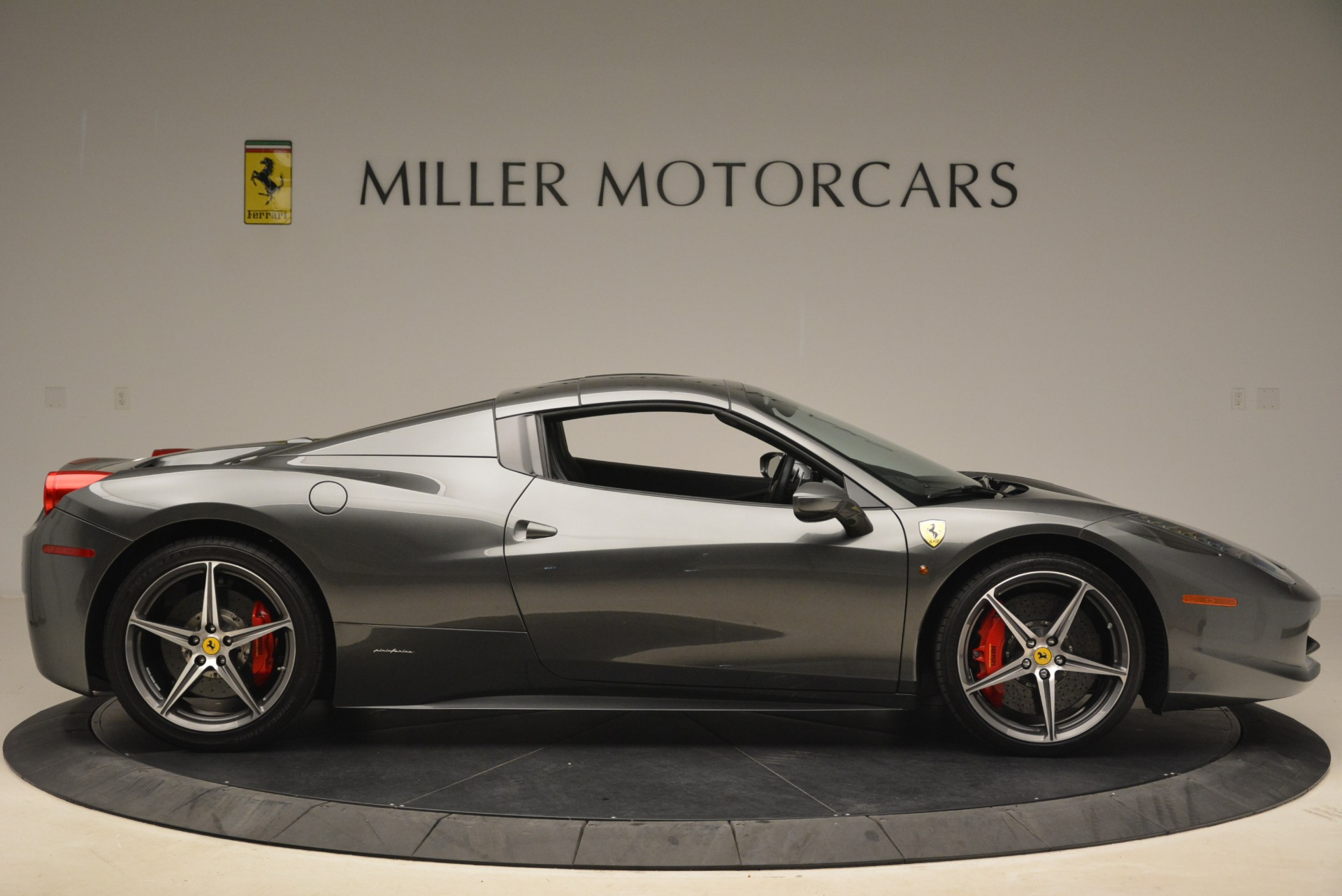 Used 2013 Ferrari 458 Spider  For Sale In Greenwich, CT. Alfa Romeo of Greenwich, 4526 2202_p21