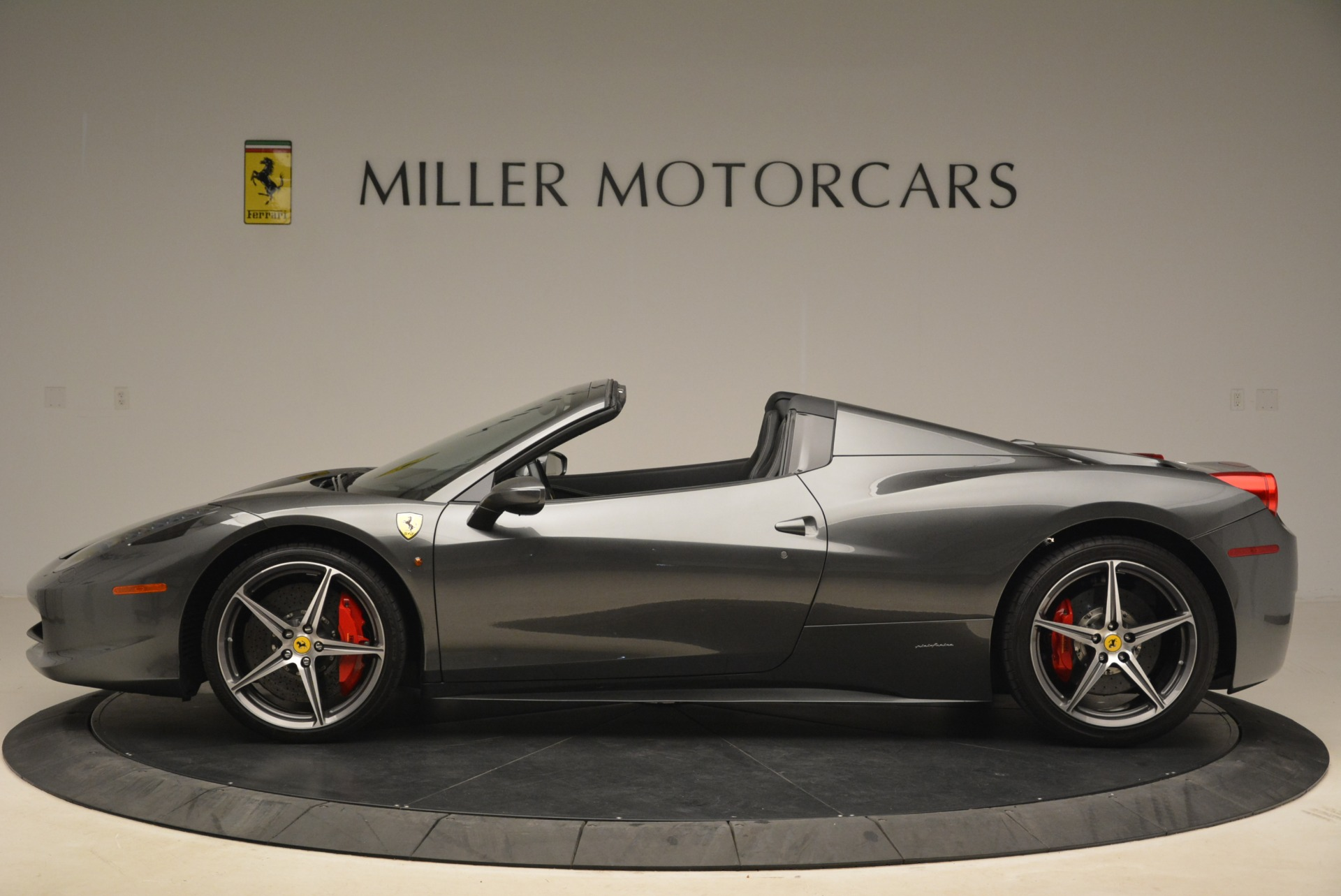 Used 2013 Ferrari 458 Spider  For Sale In Greenwich, CT. Alfa Romeo of Greenwich, 4526 2202_p3