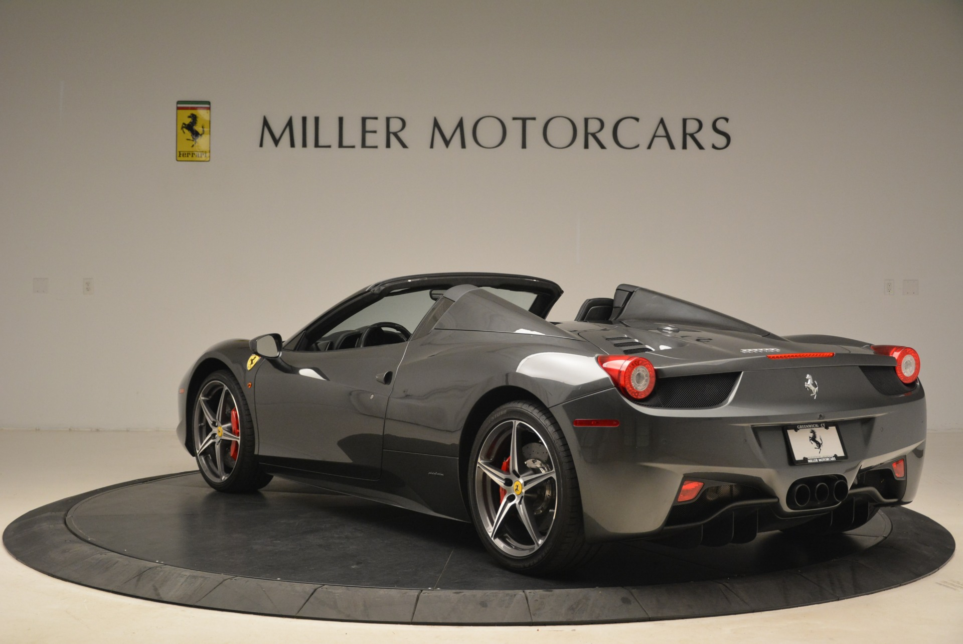 Used 2013 Ferrari 458 Spider  For Sale In Greenwich, CT. Alfa Romeo of Greenwich, 4526 2202_p5