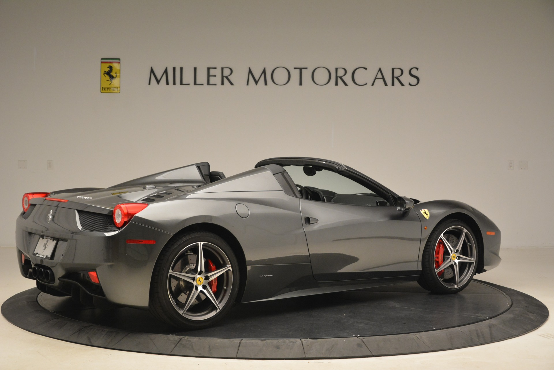 Used 2013 Ferrari 458 Spider  For Sale In Greenwich, CT. Alfa Romeo of Greenwich, 4526 2202_p8