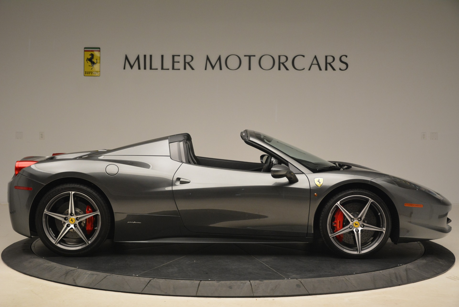 Used 2013 Ferrari 458 Spider  For Sale In Greenwich, CT. Alfa Romeo of Greenwich, 4526 2202_p9