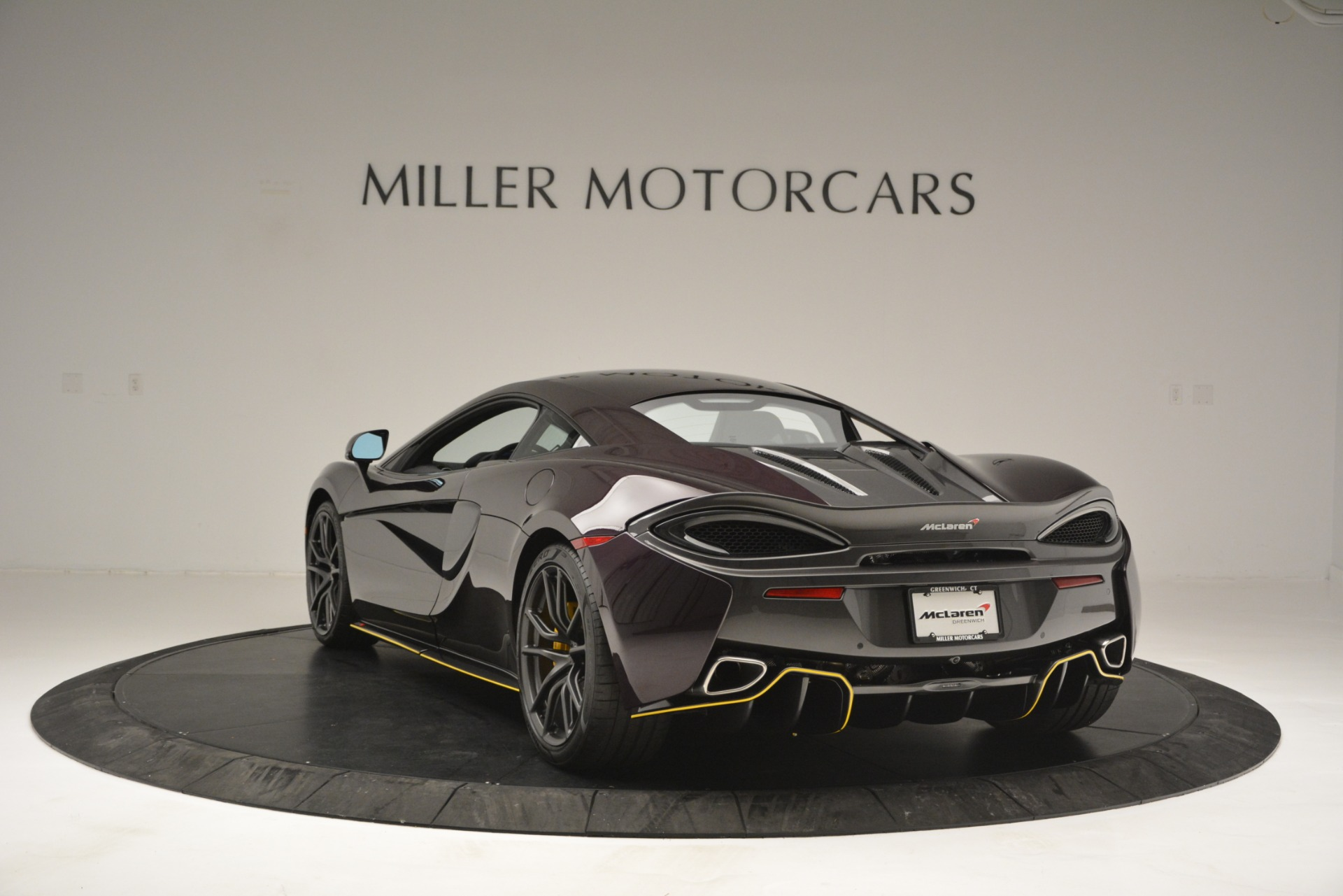Used 2018 McLaren 570S  For Sale In Greenwich, CT. Alfa Romeo of Greenwich, MC353 2204_p5