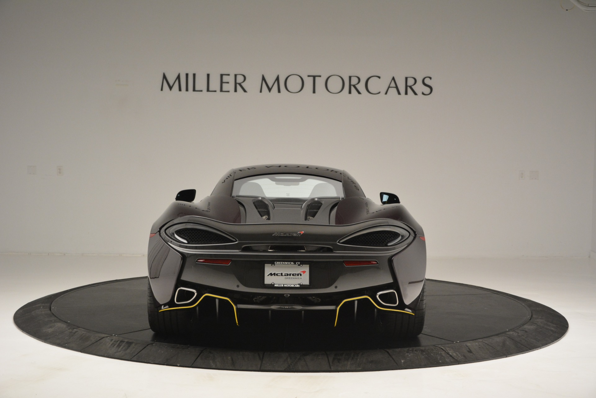 Used 2018 McLaren 570S  For Sale In Greenwich, CT. Alfa Romeo of Greenwich, MC353 2204_p6