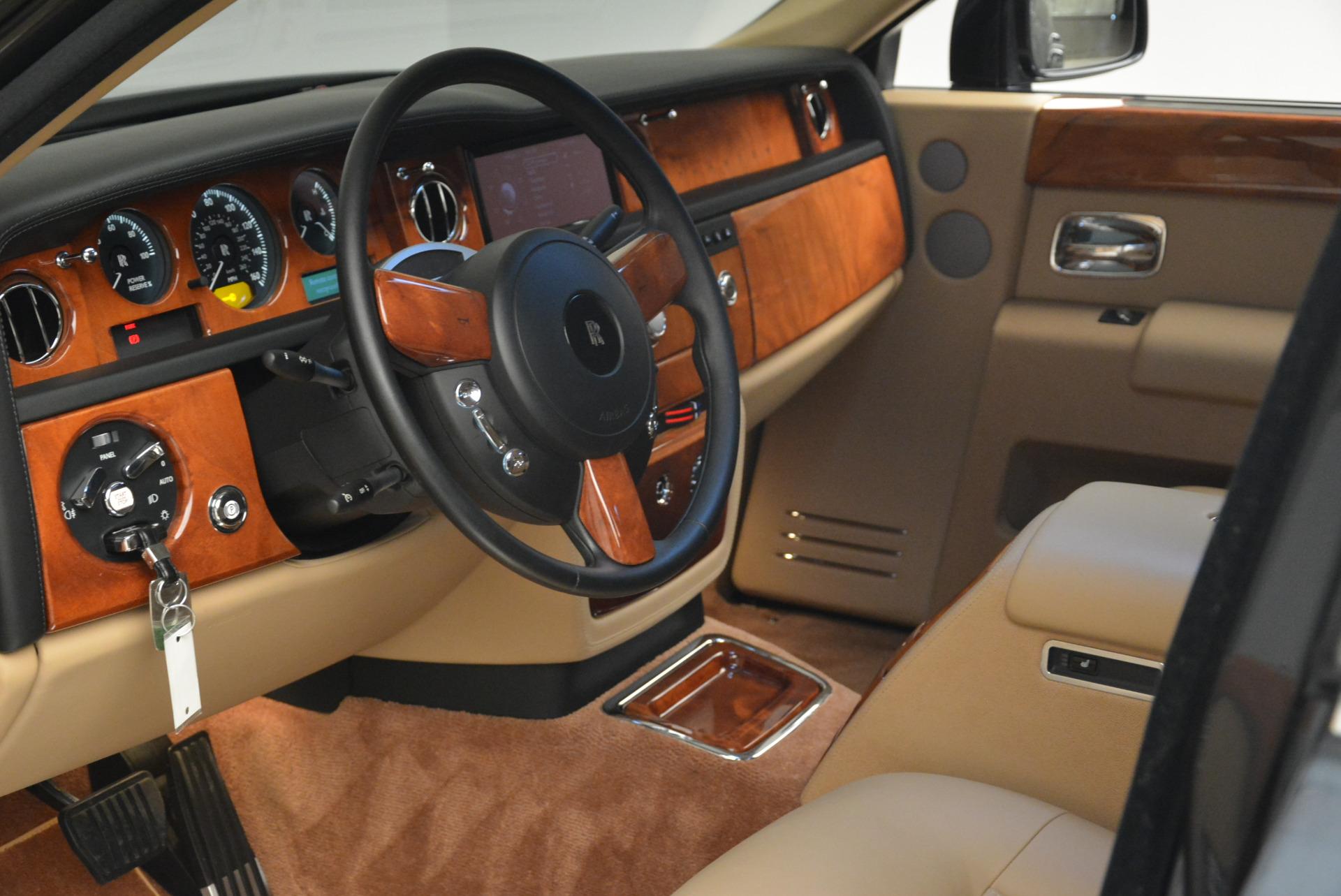 Used 2013 Rolls-Royce Phantom  For Sale In Greenwich, CT. Alfa Romeo of Greenwich, 7353 2208_p15