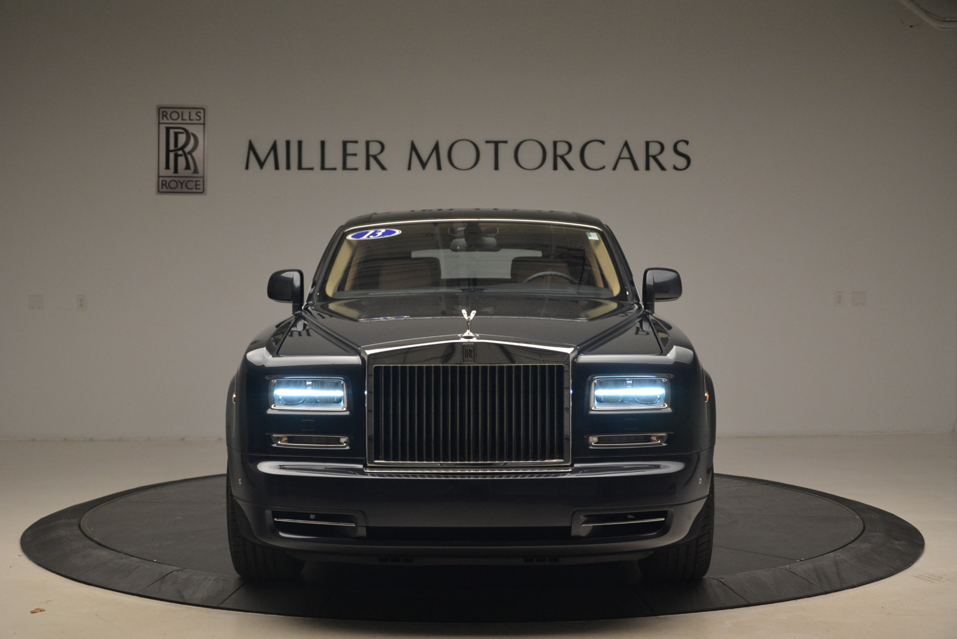 Used 2013 Rolls-Royce Phantom  For Sale In Greenwich, CT. Alfa Romeo of Greenwich, 7353 2208_p3
