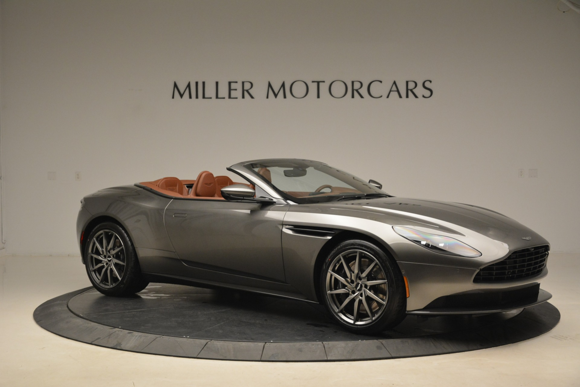 New 2019 Aston Martin DB11 Volante  For Sale In Greenwich, CT. Alfa Romeo of Greenwich, A1284 2209_p10