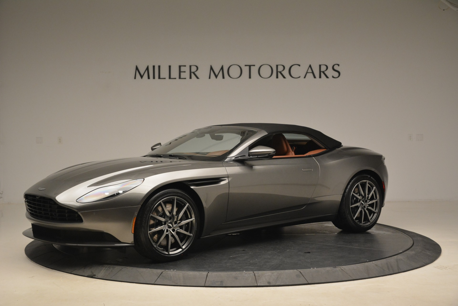 New 2019 Aston Martin DB11 Volante  For Sale In Greenwich, CT. Alfa Romeo of Greenwich, A1284 2209_p14